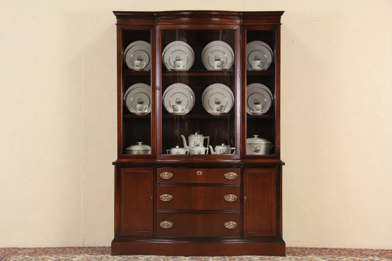 Traditional Curved Glass Bassett Vintage Breakfront China Cabinet - SOLD - Traditional Curved Glass Bassett Vintage Breakfront China