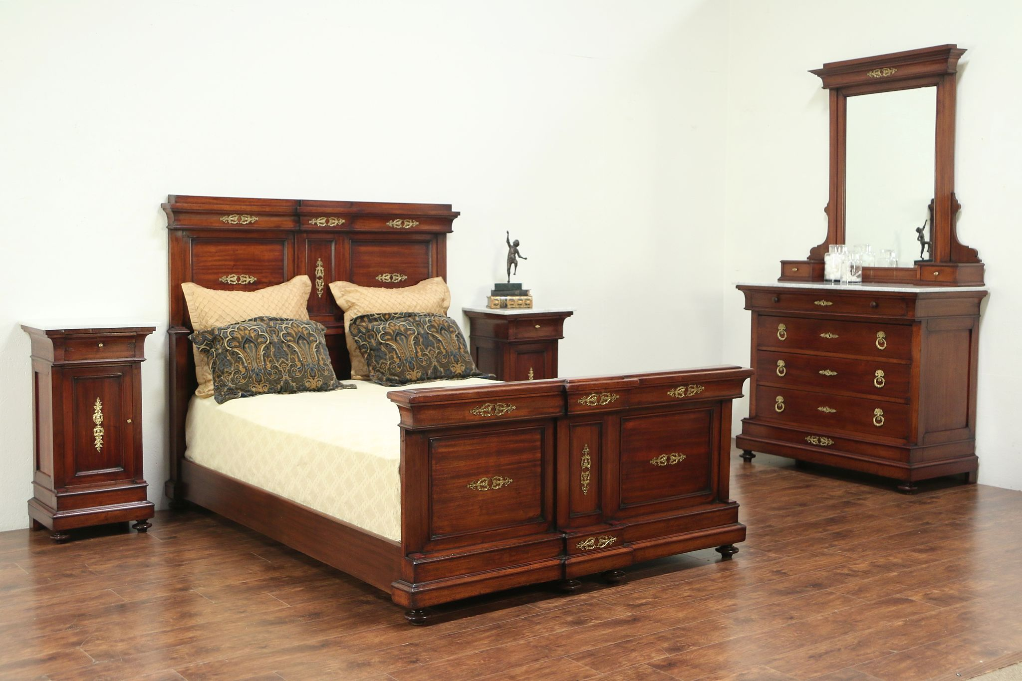 Queen Size Antique 1900 Italian 4 Pc. Mahogany Bedroom Set, Marble ...