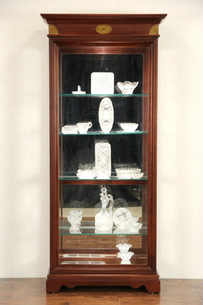Cherry Vintage Lighted Curio Display Cabinet Adjule Glass Shelves