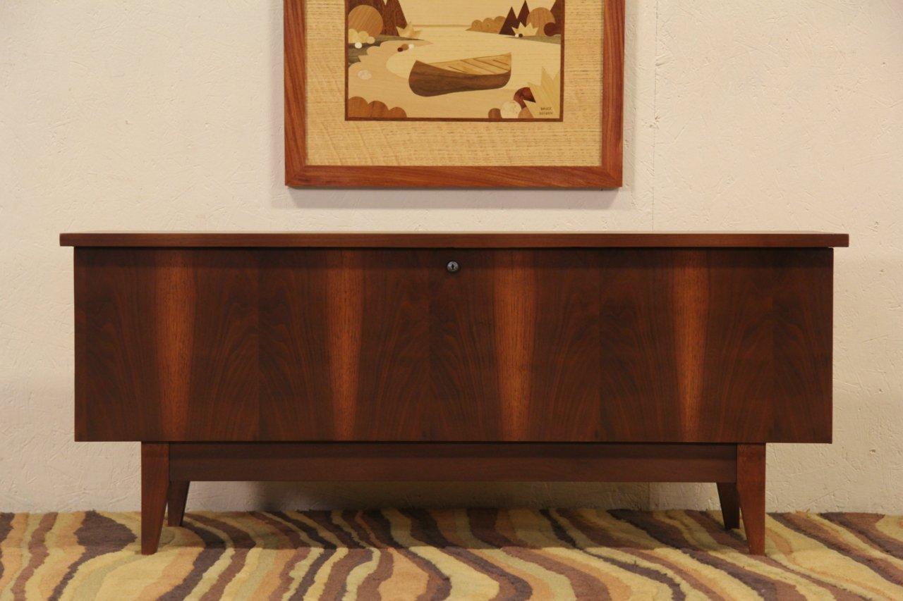 Midcentury Modern 1960 Vintage Lane Cedar Chest Bench