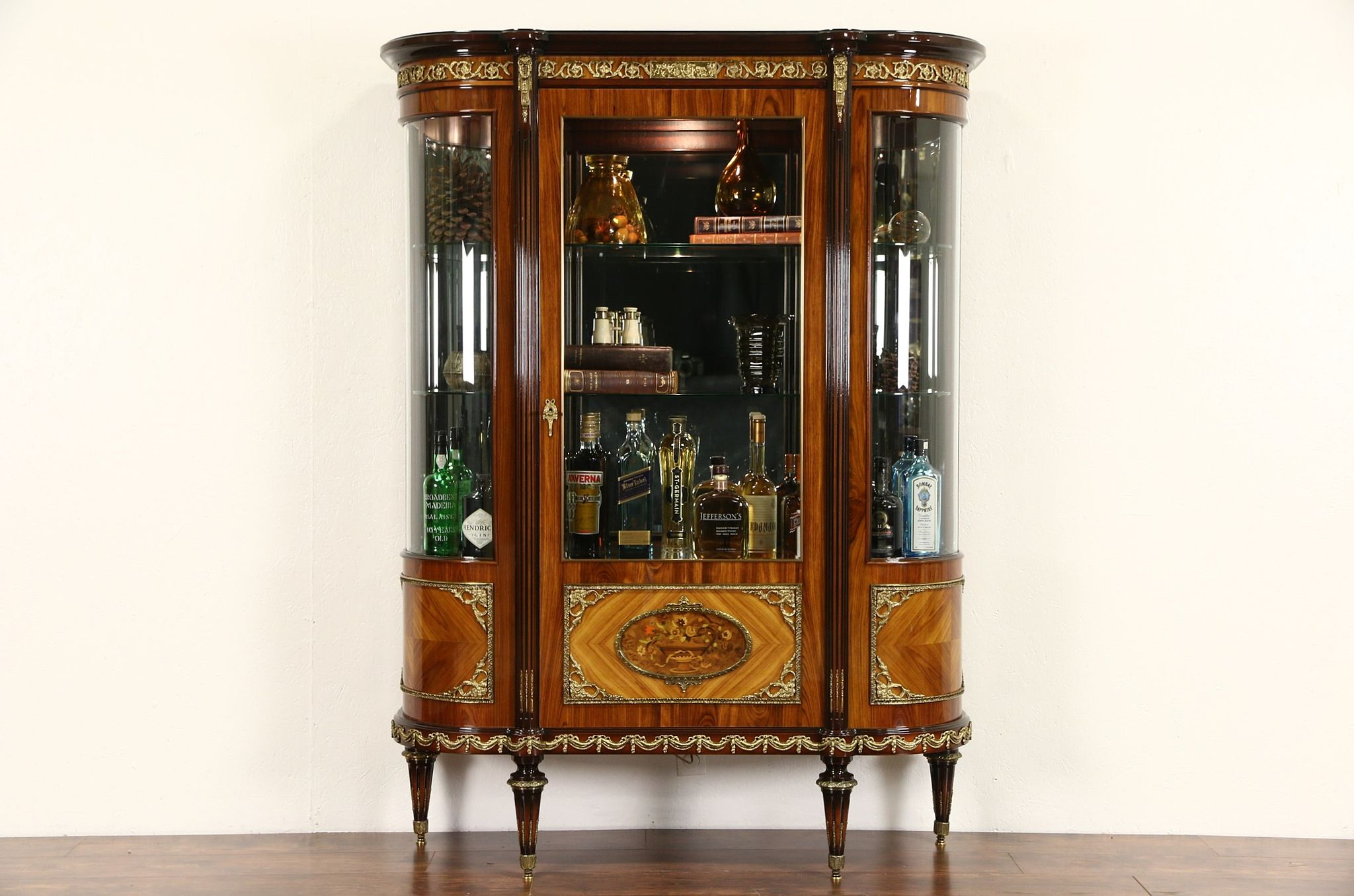 sold italian rosewood tulipwood marquetry vintage. Black Bedroom Furniture Sets. Home Design Ideas