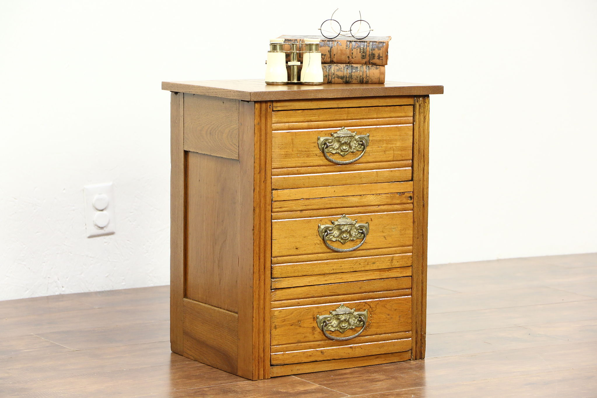 Oak 1885 Antique Nightstand Or Chairside Chest, Brass Face Pulls