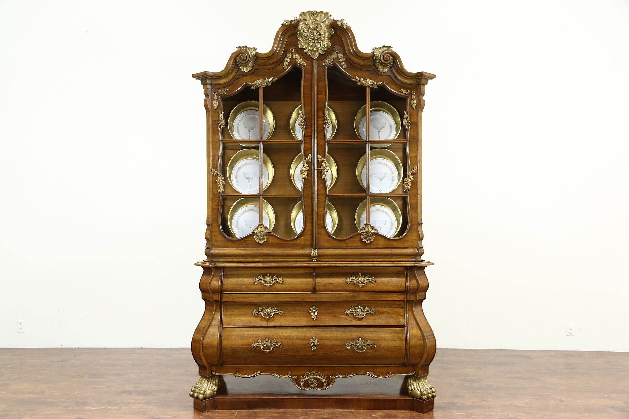 Merveilleux Baroque Bombe Antique 1910 China Or Curio Display Cabinet, Italy