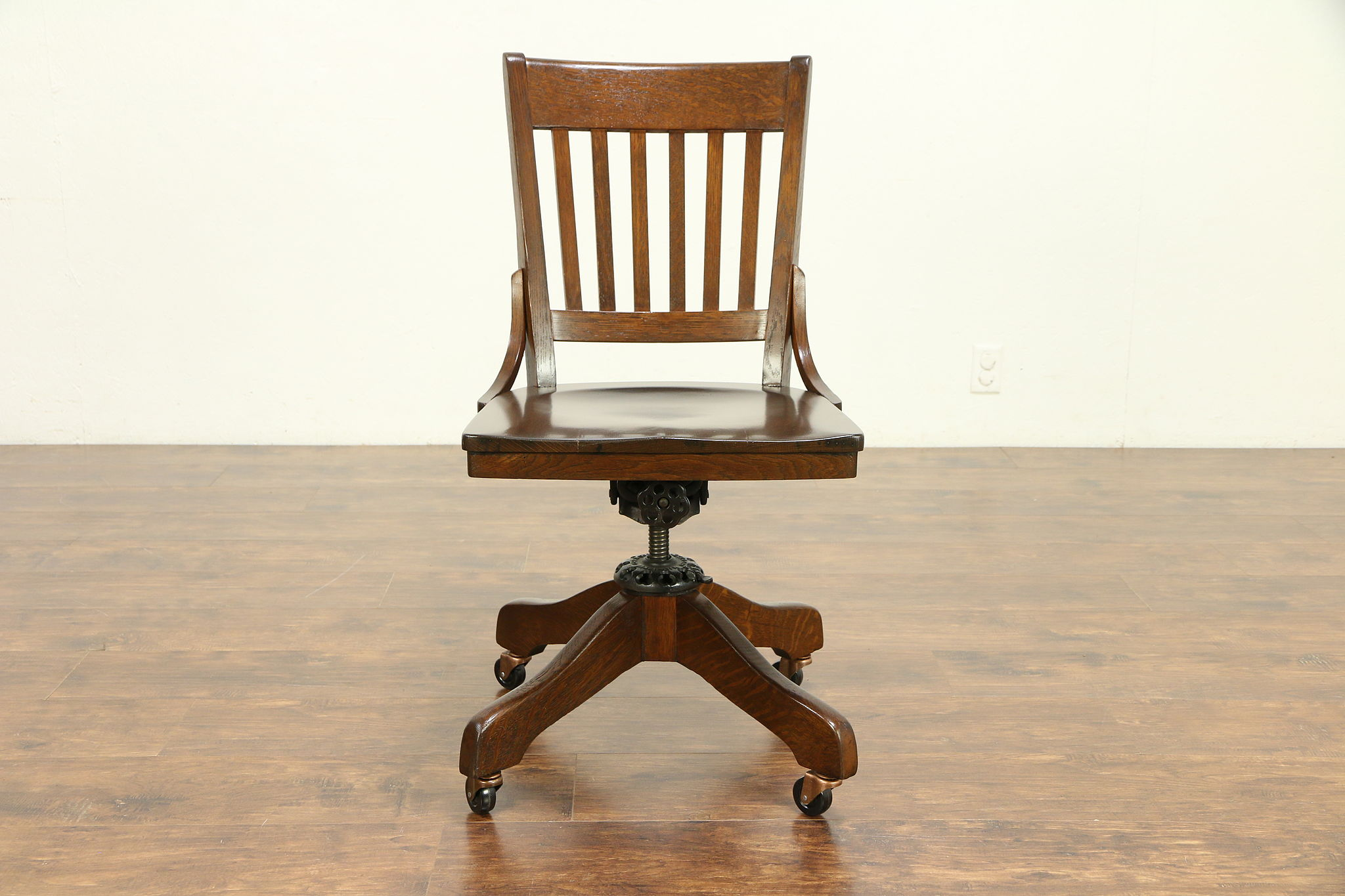 Superb Oak Antique Swivel Adjustable Desk Chair Dated 1928 Signed Milwaukee 30332 Uwap Interior Chair Design Uwaporg