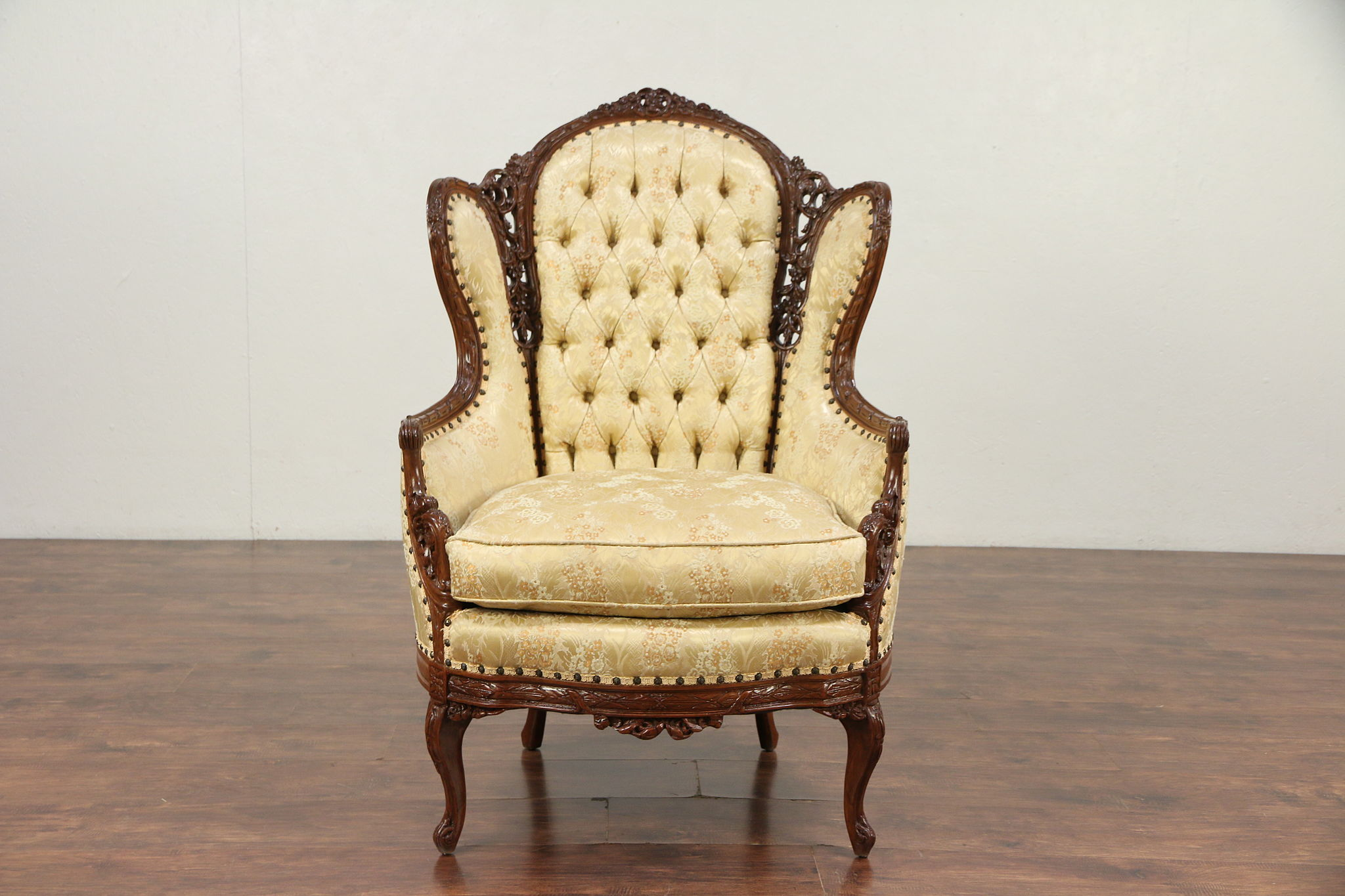 Merveilleux Carved 1940u0027s Vintage French Style Wing Chair #29684 ...