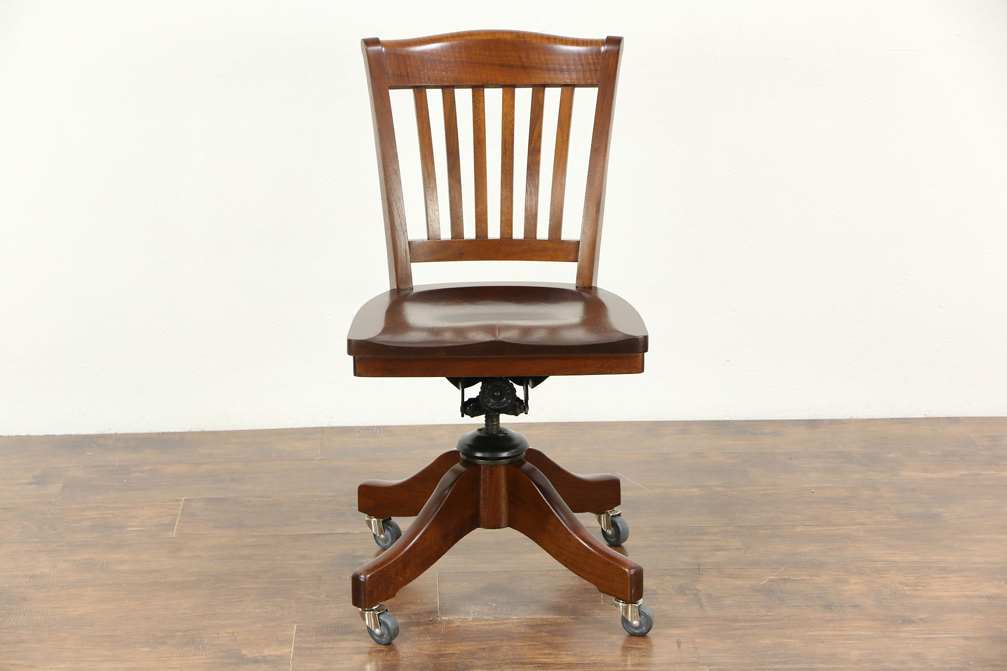 Walnut 1915 Antique Swivel Adjustable fice or Library Desk Chair
