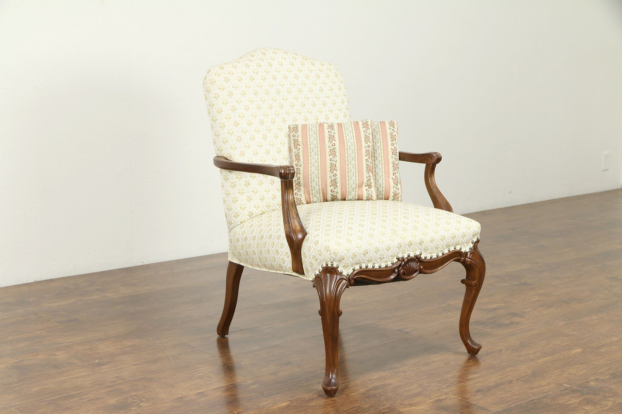 Shell carved mahogany antique chair european upholstery