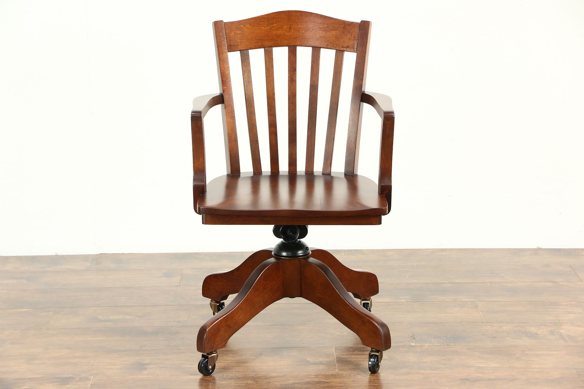 Magnificent Maple Swivel 1920 Antique Adjustable Library Or Office Desk Chair Uwap Interior Chair Design Uwaporg