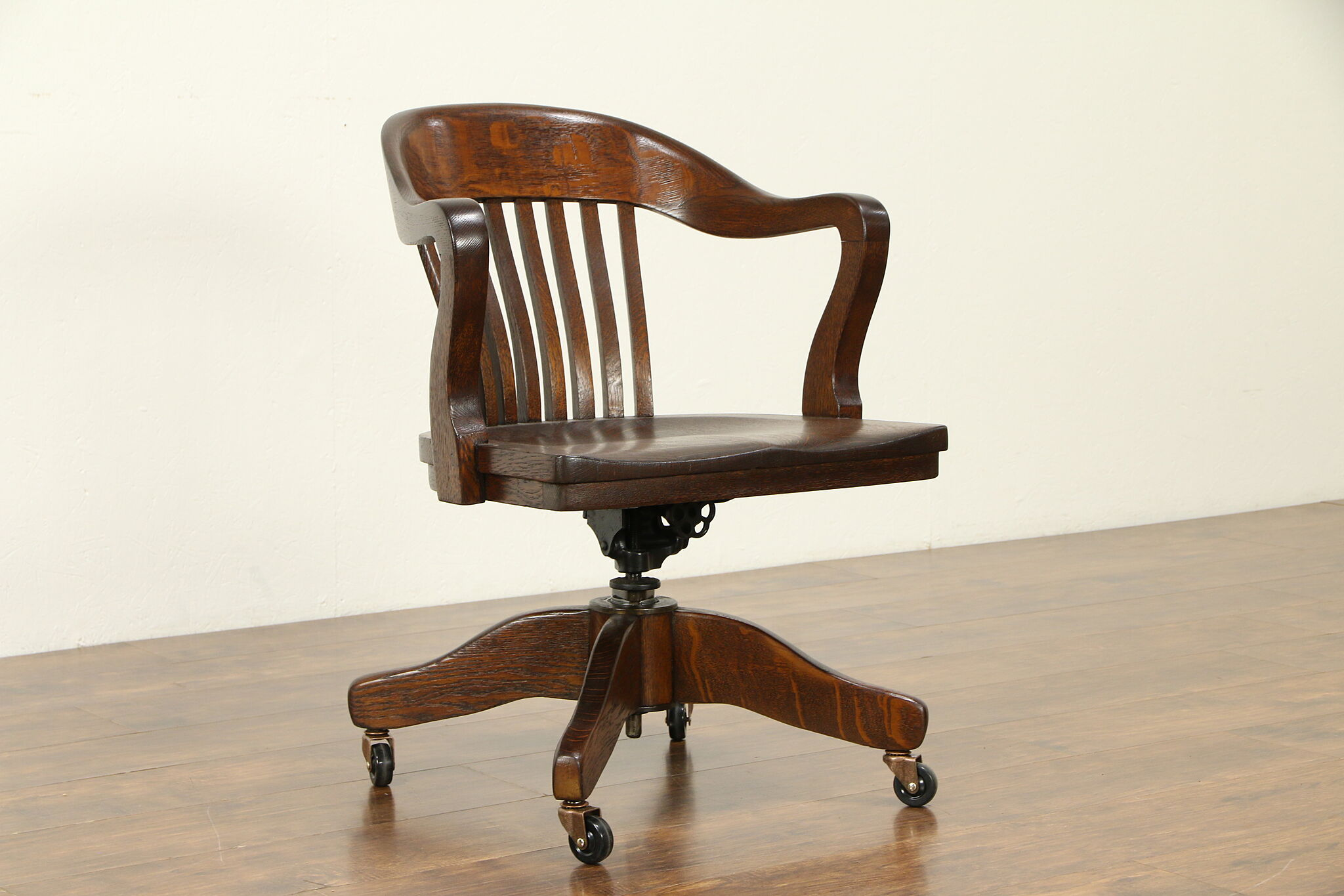 Fantastic Swivel Adjustable Quarter Sawn Oak Antique Office Desk Chair Taylor 31940 Uwap Interior Chair Design Uwaporg