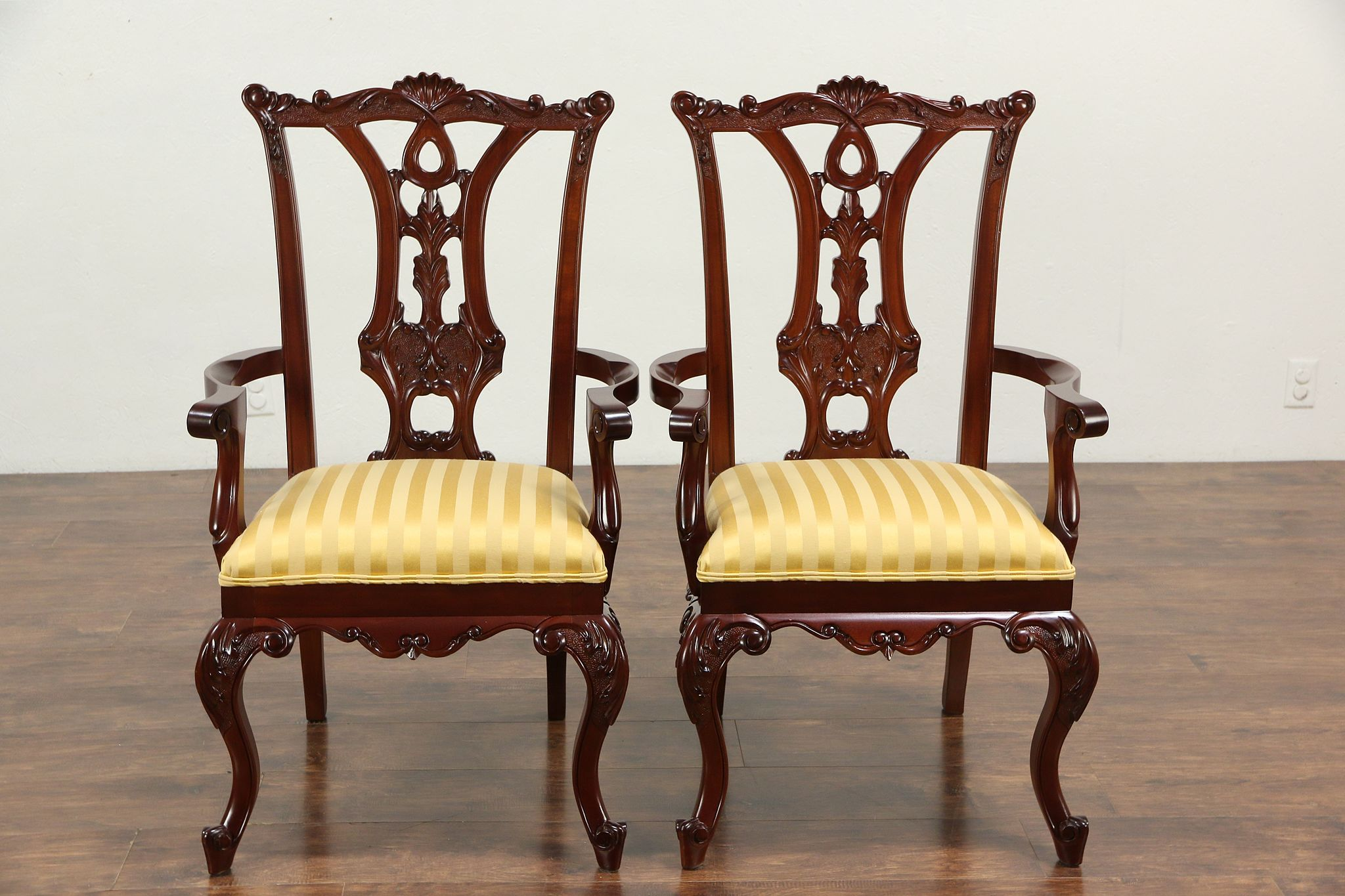 Set Of 8 Georgian Style Vintage Carved Mahogany Dining Chairs New Upholstery