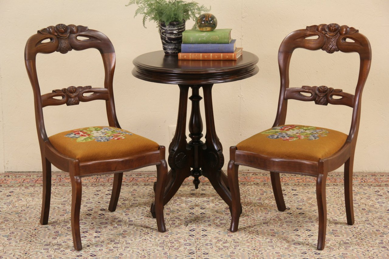 Antique victorian dining chairs - Pair Victorian 1860 S Antique Carved Walnut Needlepoint Side Or Dining Chairs