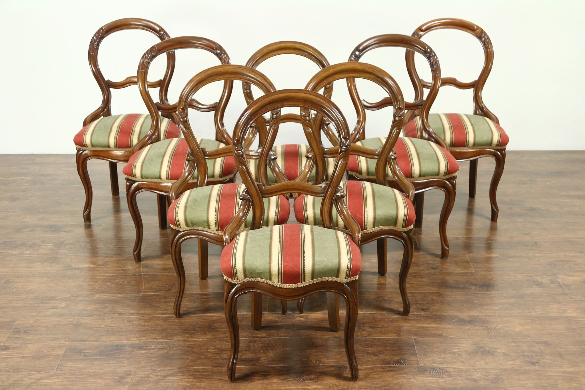 Victorian Set Of 8 44 Antique 1860s Carved Walnut Dining Chairs