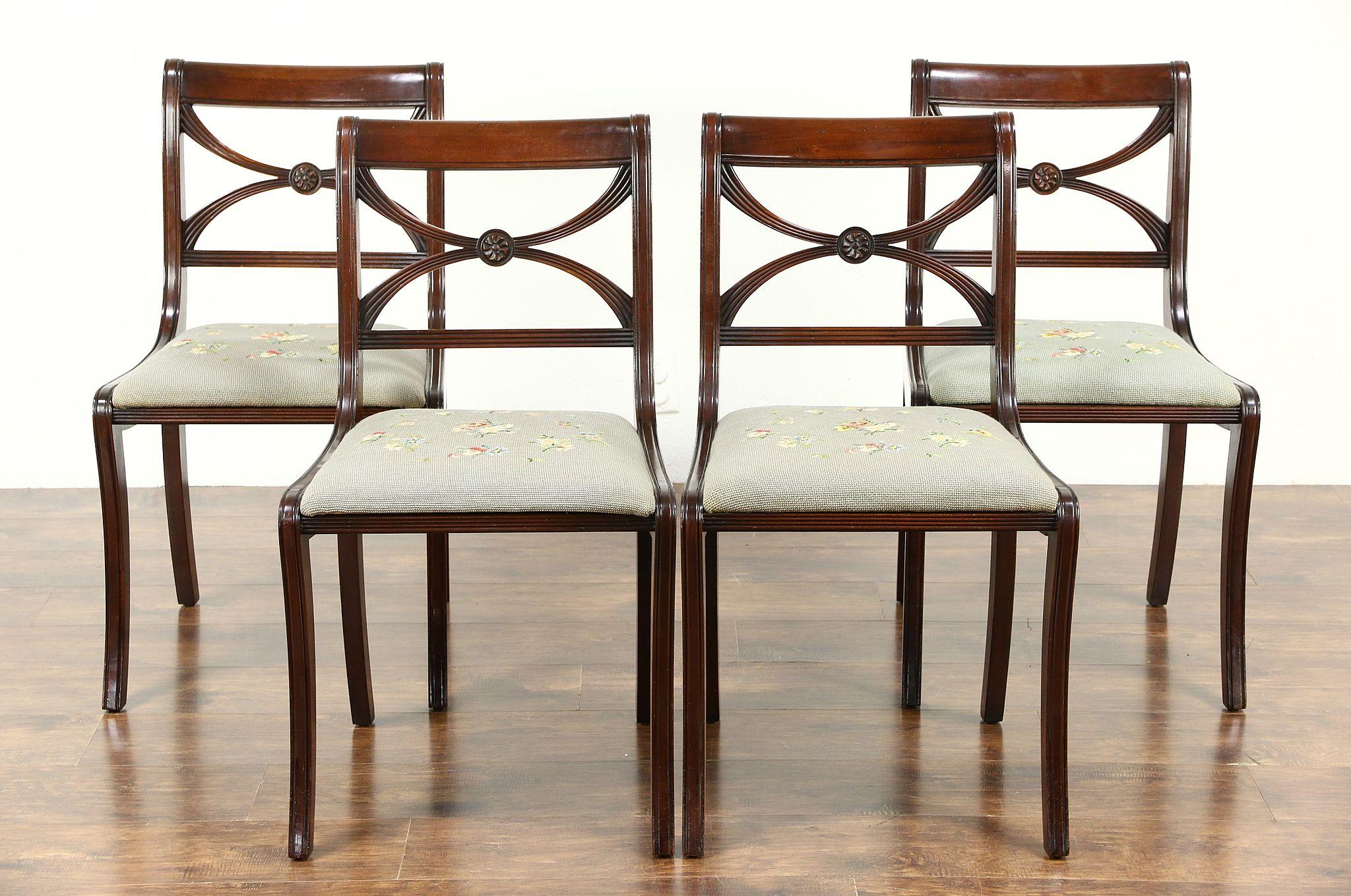 Set Of 4 Traditional 1930 Vintage Dining Chairs, Mahogany U0026 Needlepoint