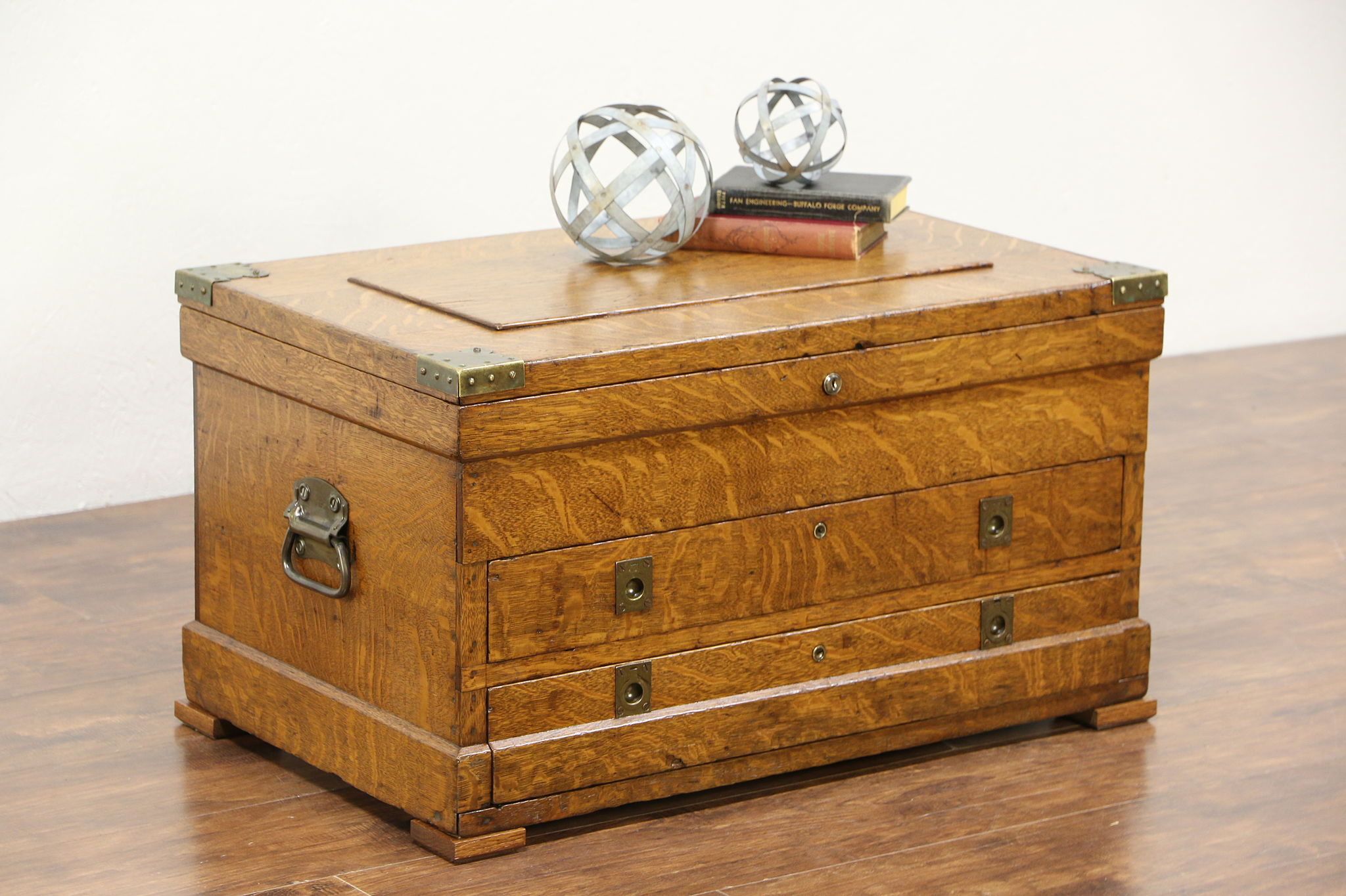 Carpenter Antique 1900 S Oak Trunk Tool Chest Or Coffee Table