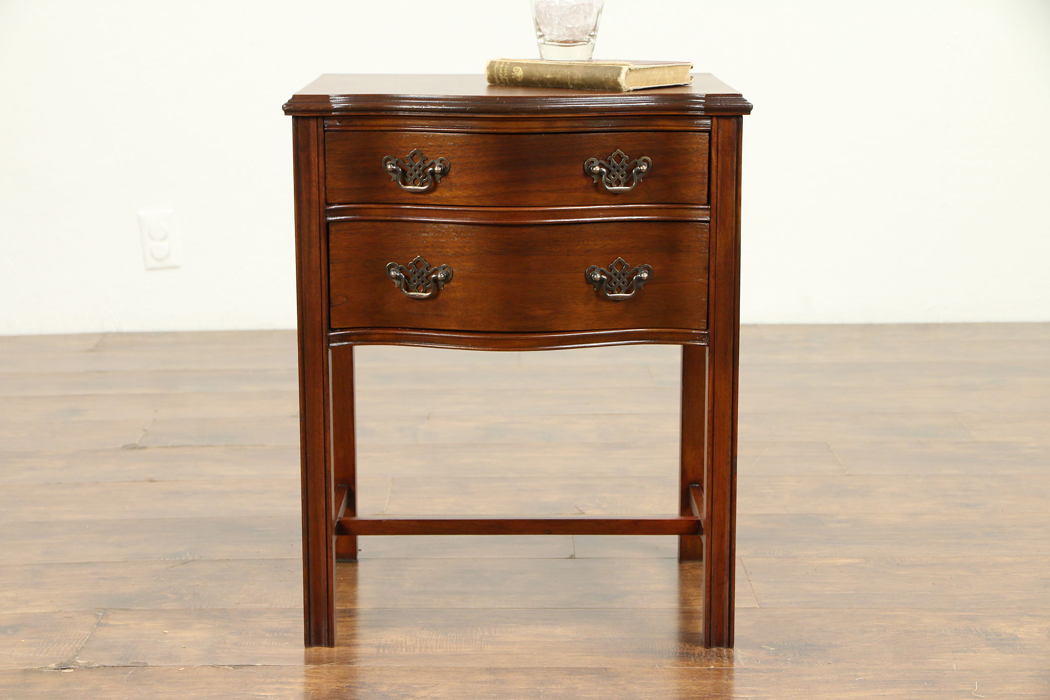 Sold Traditional Mahogany Vintage Nightstand Lamp Or End Table 31205 Harp Gallery Antiques Furniture