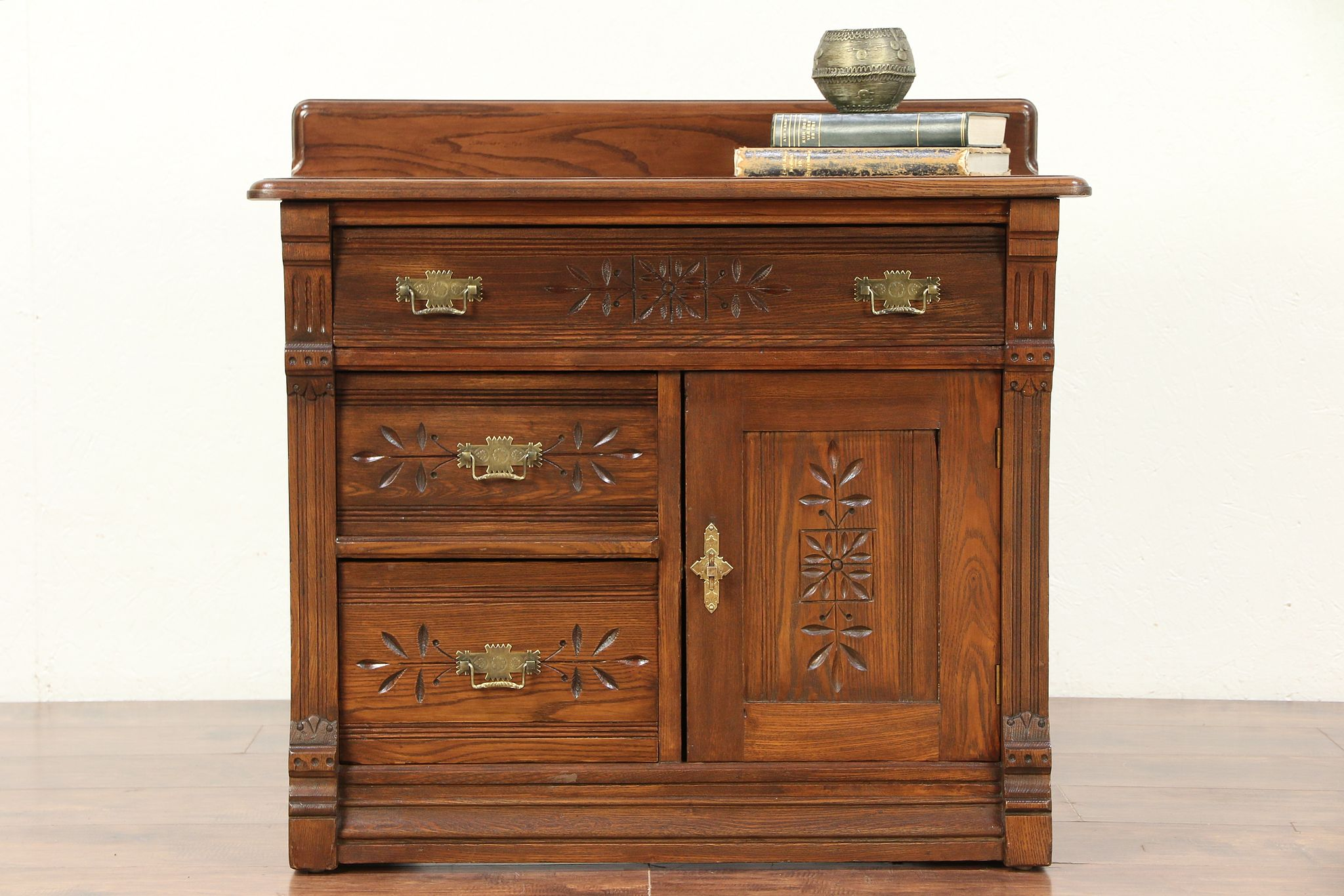 eastlake furniture years