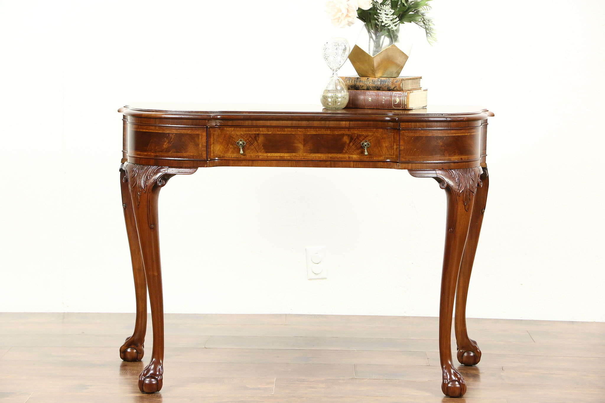 Delicieux Georgian Style Carved Walnut 1910 Antique Hall Console Table, Marquetry  Banding