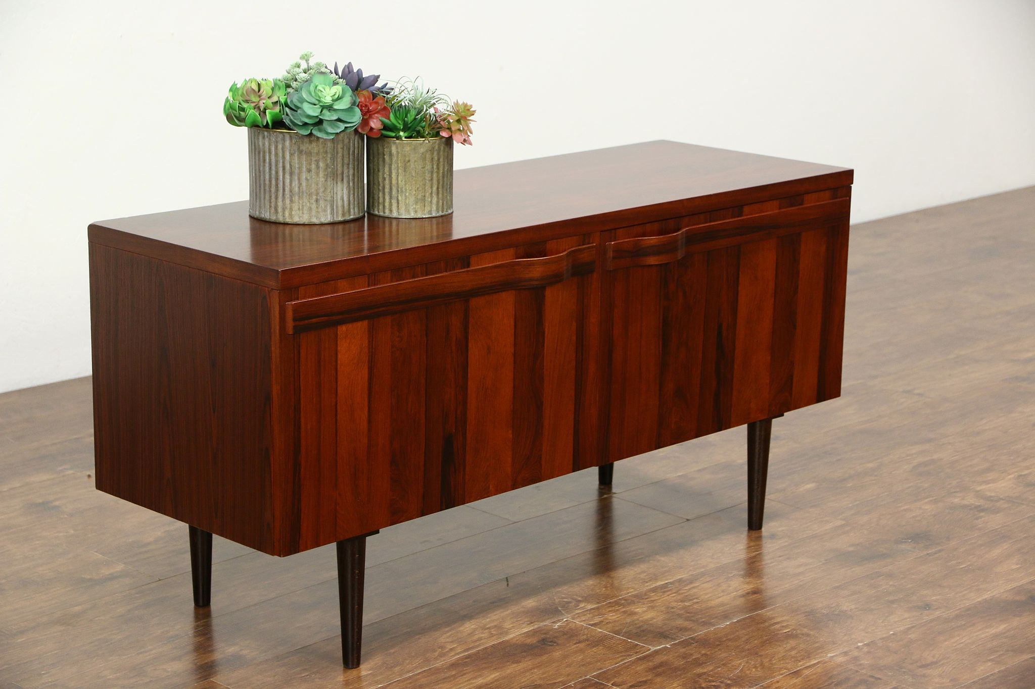 Credenza Danish Modern : Sold rosewood midcentury danish modern vintage credenza cabinet