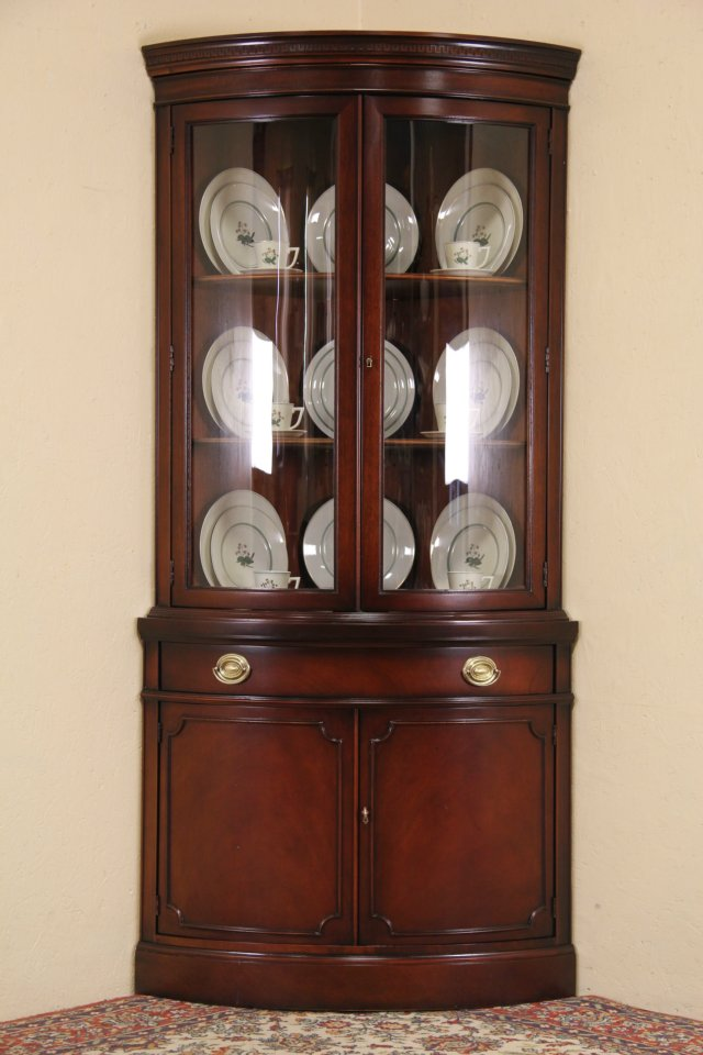 Sold Drexel Travis Court Mahogany 1950 S Vintage Curved