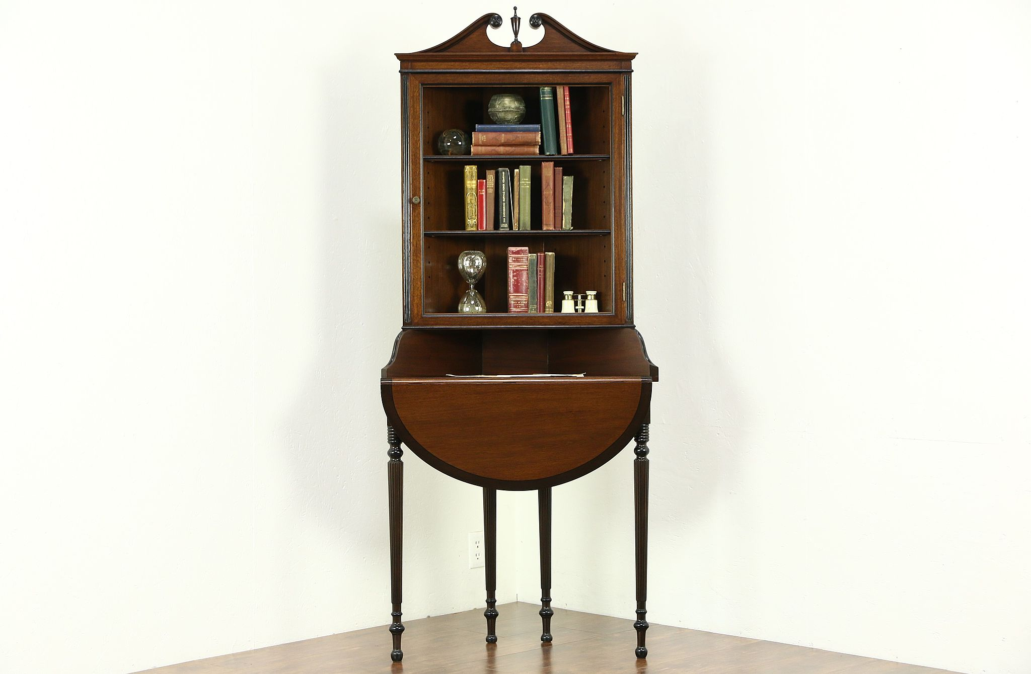 Excellent SOLD - Traditional 1920's Antique Mahogany Corner Cabinet  VE44