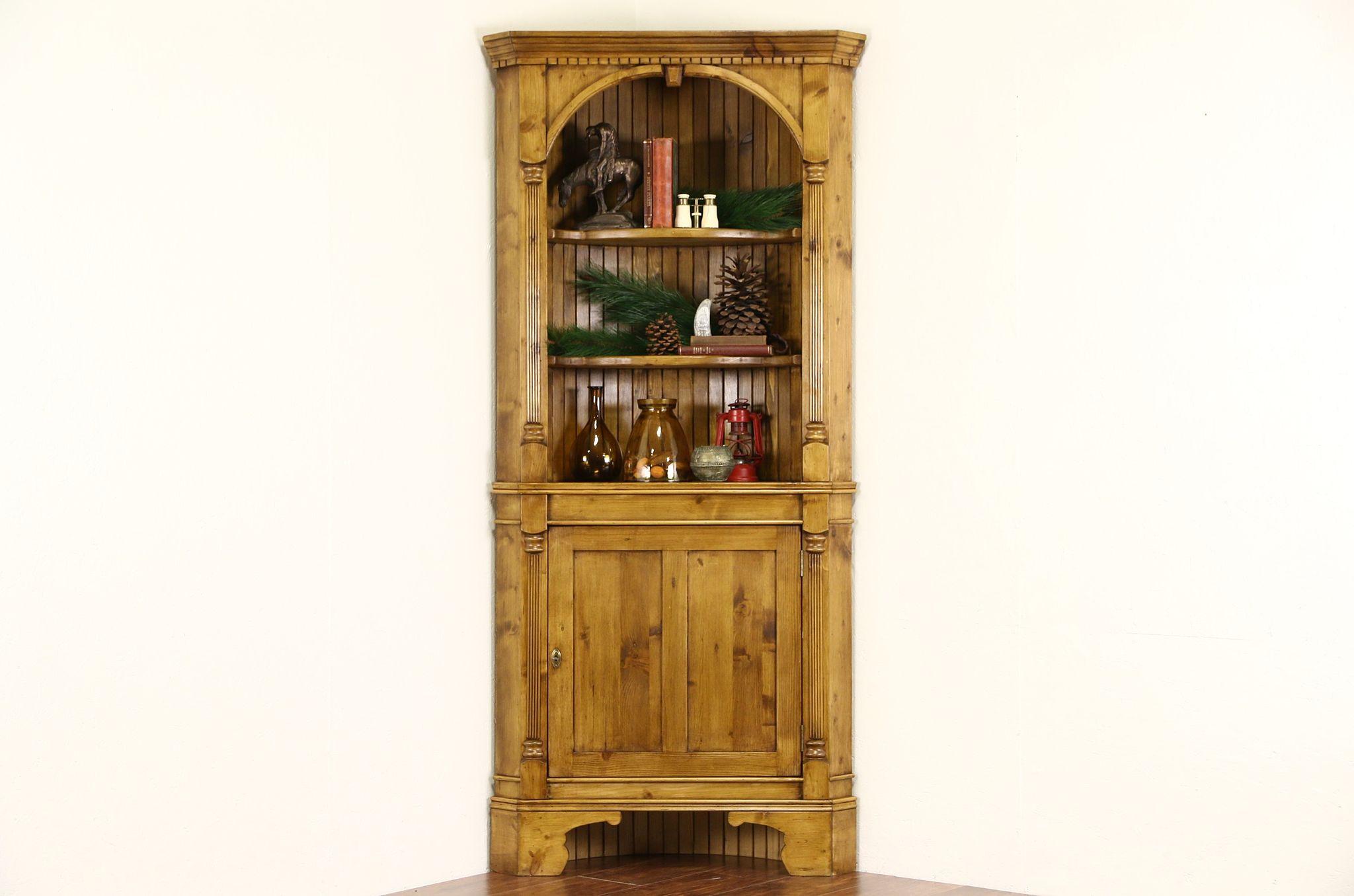 Vintage Corner Cabinet Pine Traditional Vintage Corner Cabinet Fluted Columns Harp