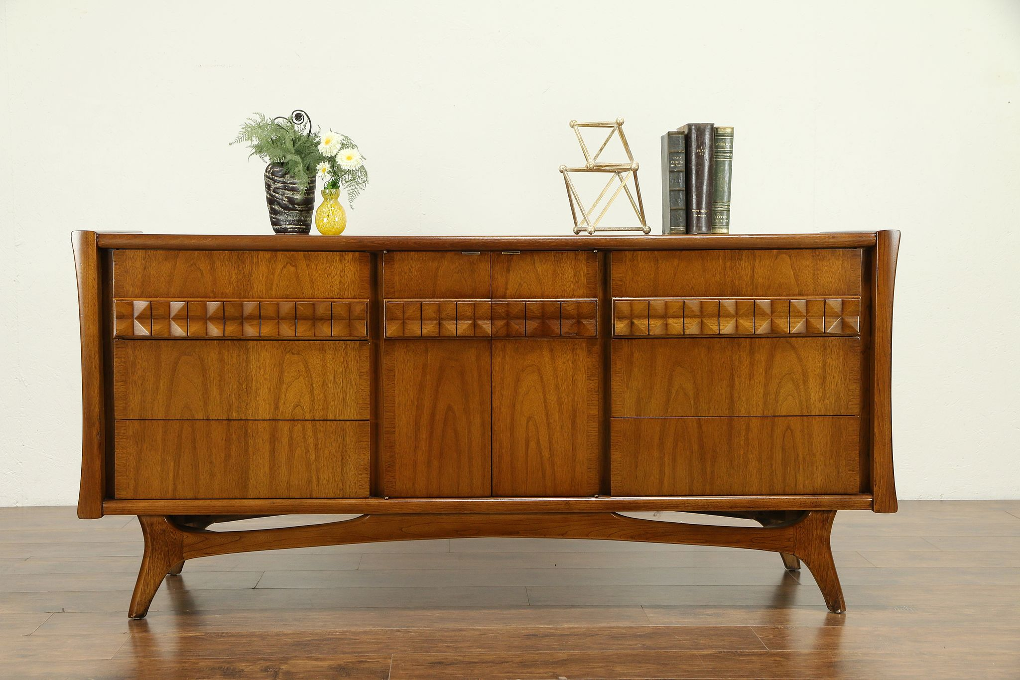 Picture of: Sold Midcentury Modern 1960 Vintage Credenza Sideboard Or Server Tv Console 30812 Harp Gallery Antiques Furniture