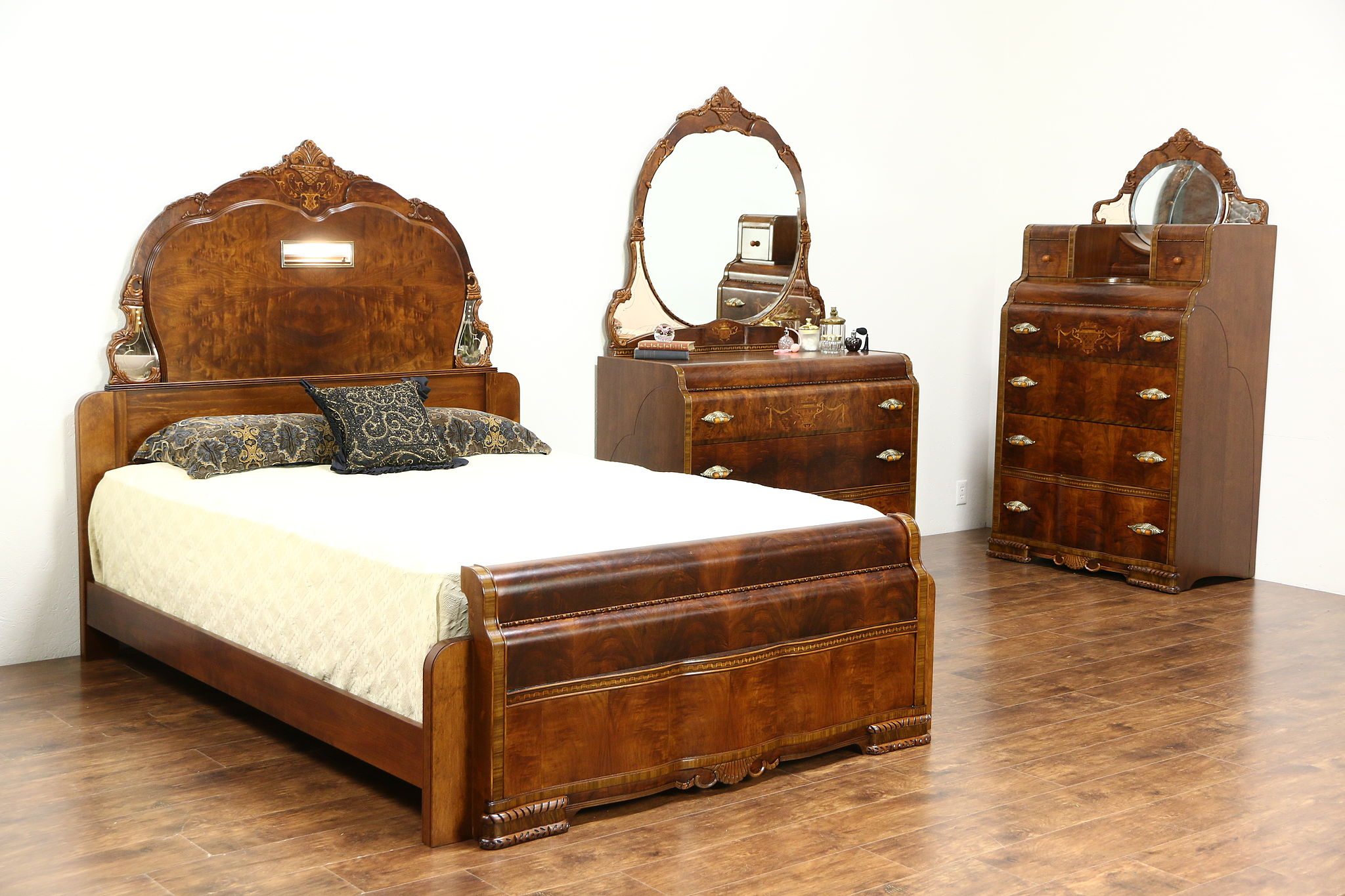 Sold Art Deco Waterfall Design 1935 Vintage 3 Pc Bedroom Set Queen Size Bed Harp Gallery Antiques Furniture
