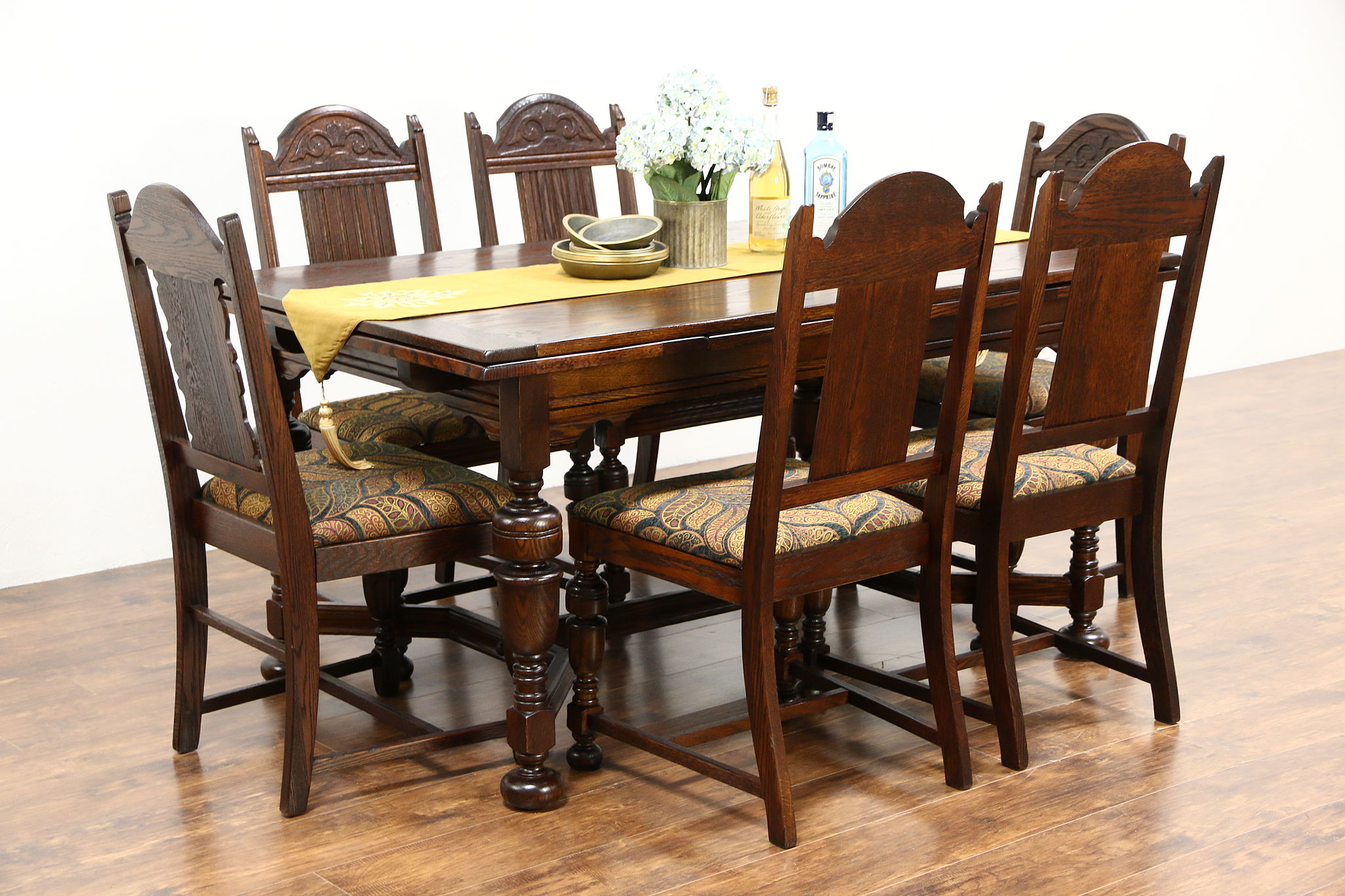 English Tudor Antique 1920 Oak Dining Set Table 2 Leaves 6 Chairs Photo