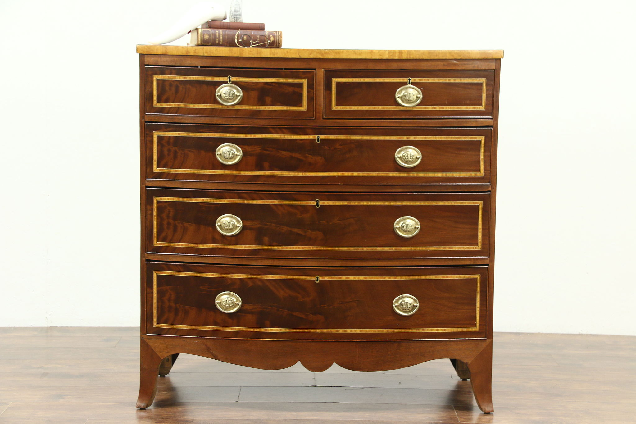 Georgian Antique 1800 Bow Front Chest Or Dresser Banded Mahogany