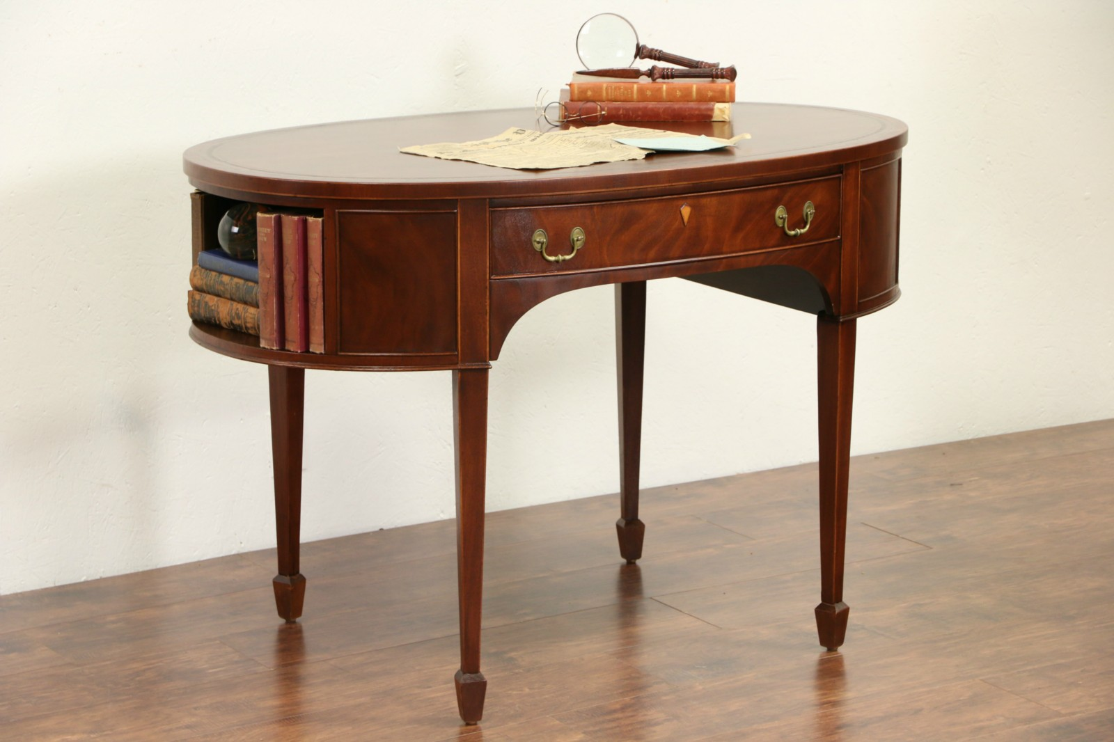 Georgian Oval 1940 S Vintage Writing Desk Or Library Table Leather Top