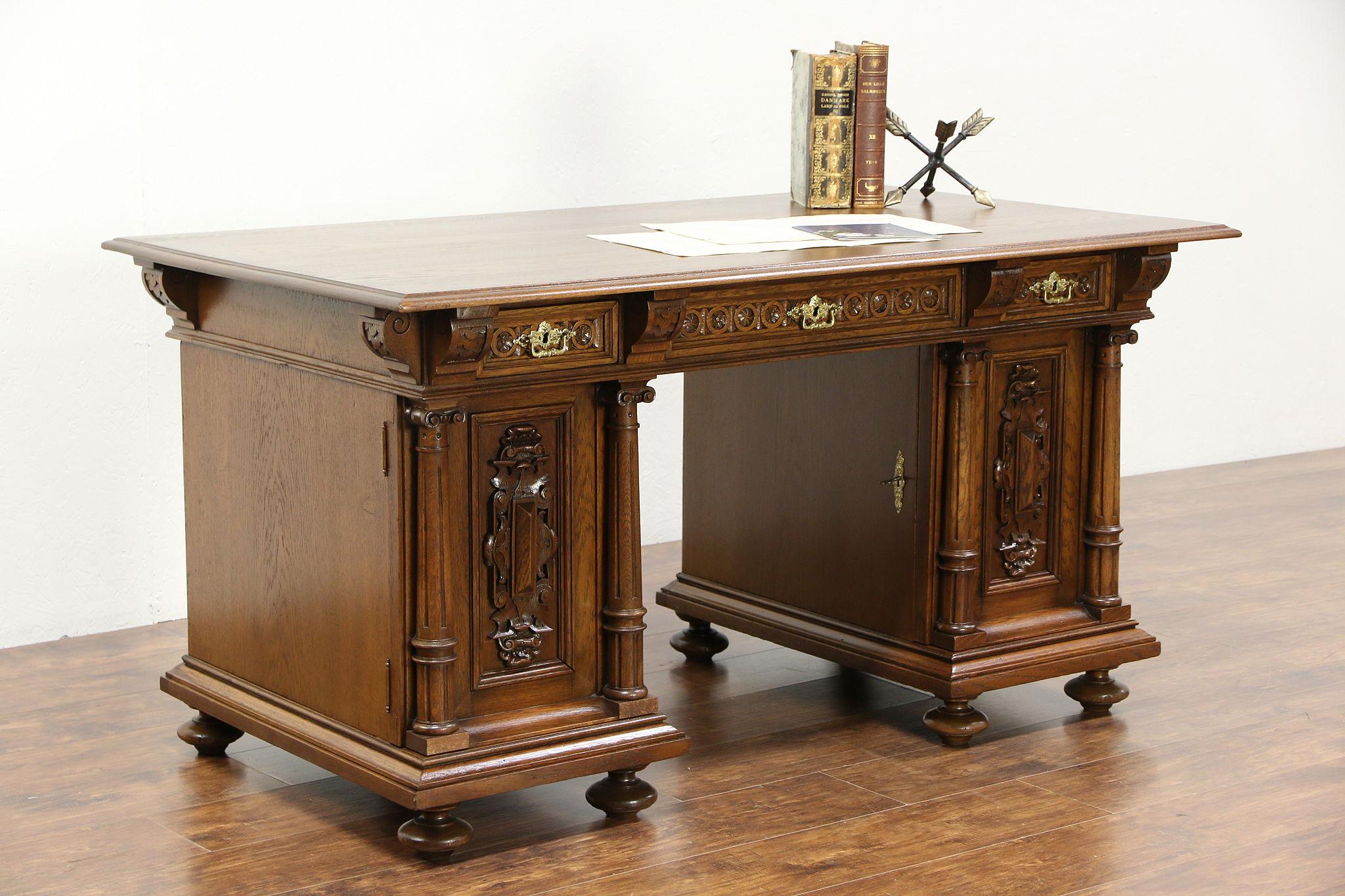 Oak Renaissance Hand Carved Antique 1900 Library Desk Scandinavia