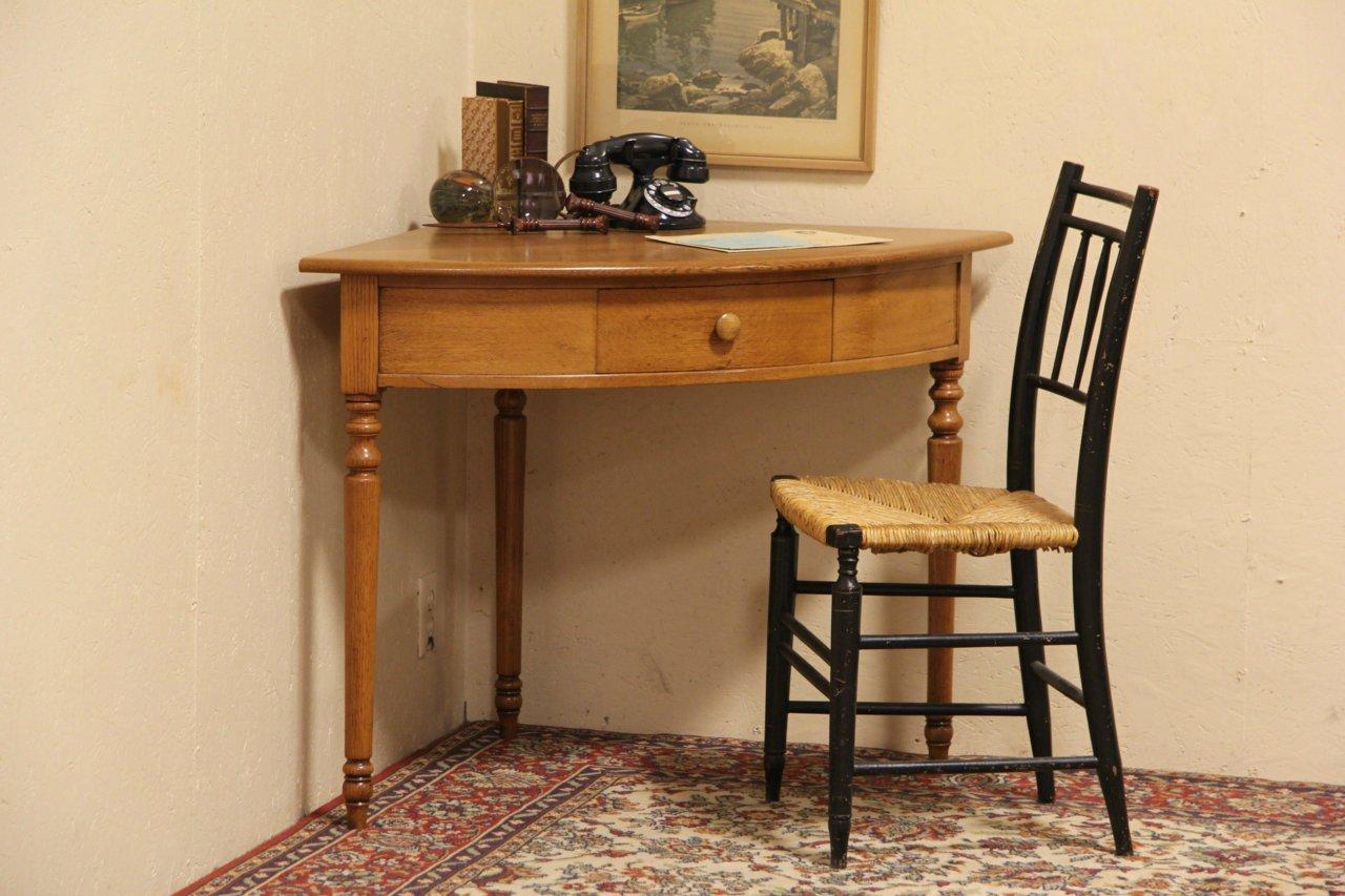 Oak English 1900 Antique Corner Writing Desk or Table - SOLD - Oak English 1900 Antique Corner Writing Desk Or Table - Harp