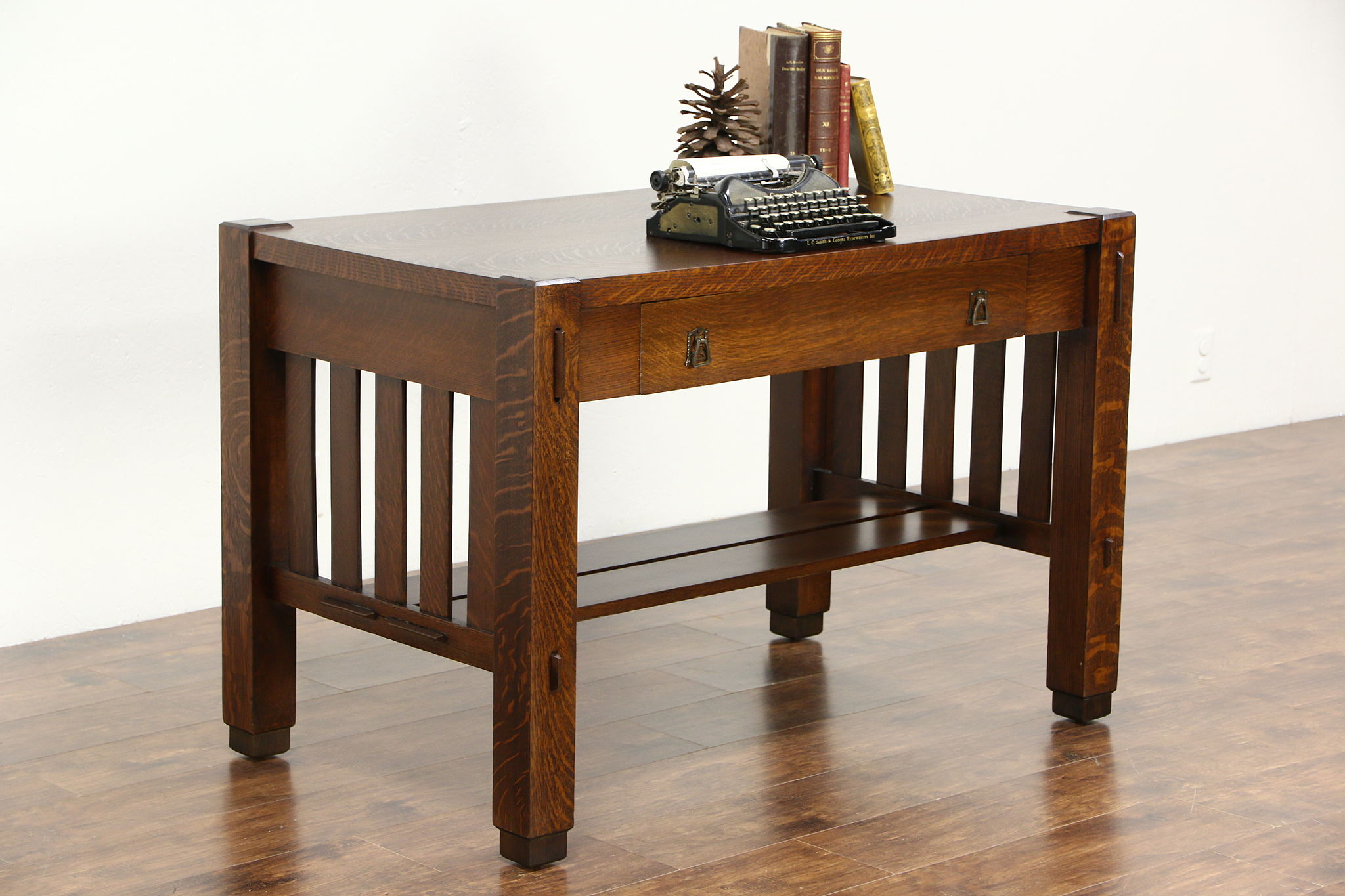 Attrayant Mission Oak Arts U0026 Crafts 1905 Antique Craftsman Library Table Or Writing  Desk