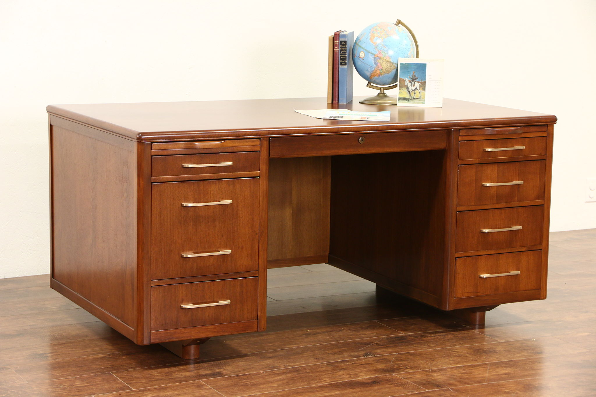 Sold Midcentury Modern 1960 S Vintage Executive Desk
