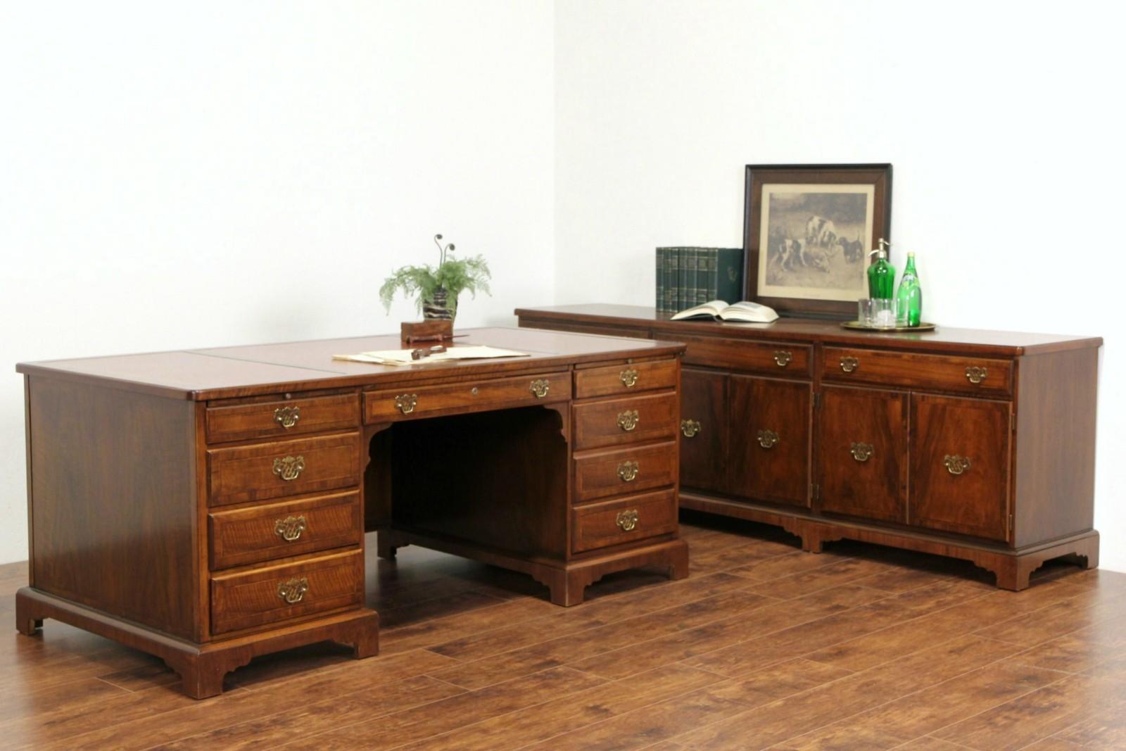 "Traditional 60/"" Executive Office Library Desk Walnut Finish Knee Hole"