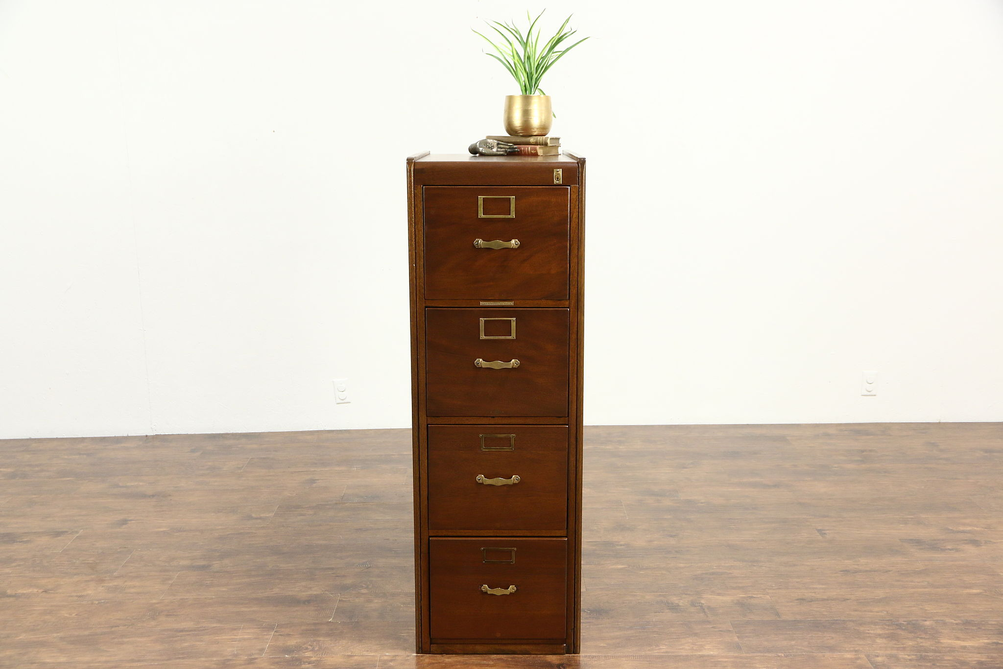 Genial Library Bureau 1915 Antique Mahogany 4 Drawer File Cabinet