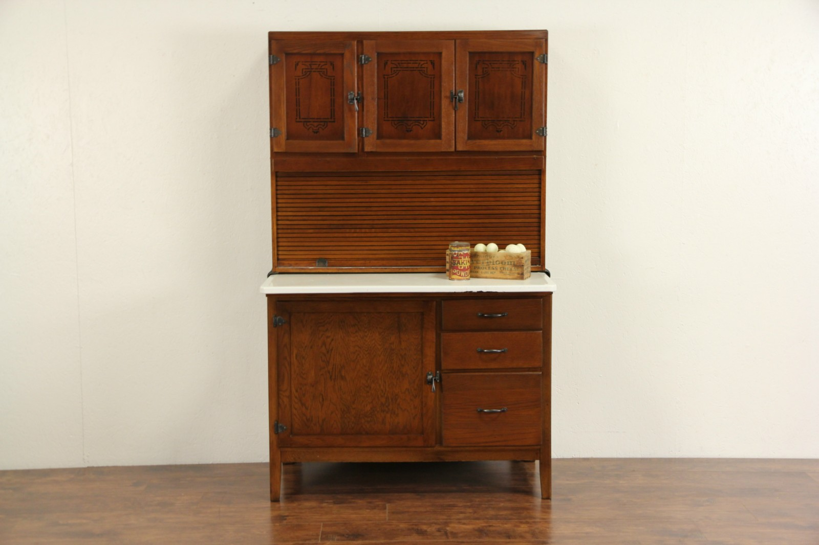 Genial Hoosier 1915 Antique Oak Roll Top Kitchen Cabinet, Porcelain Top, Flour  Sifter