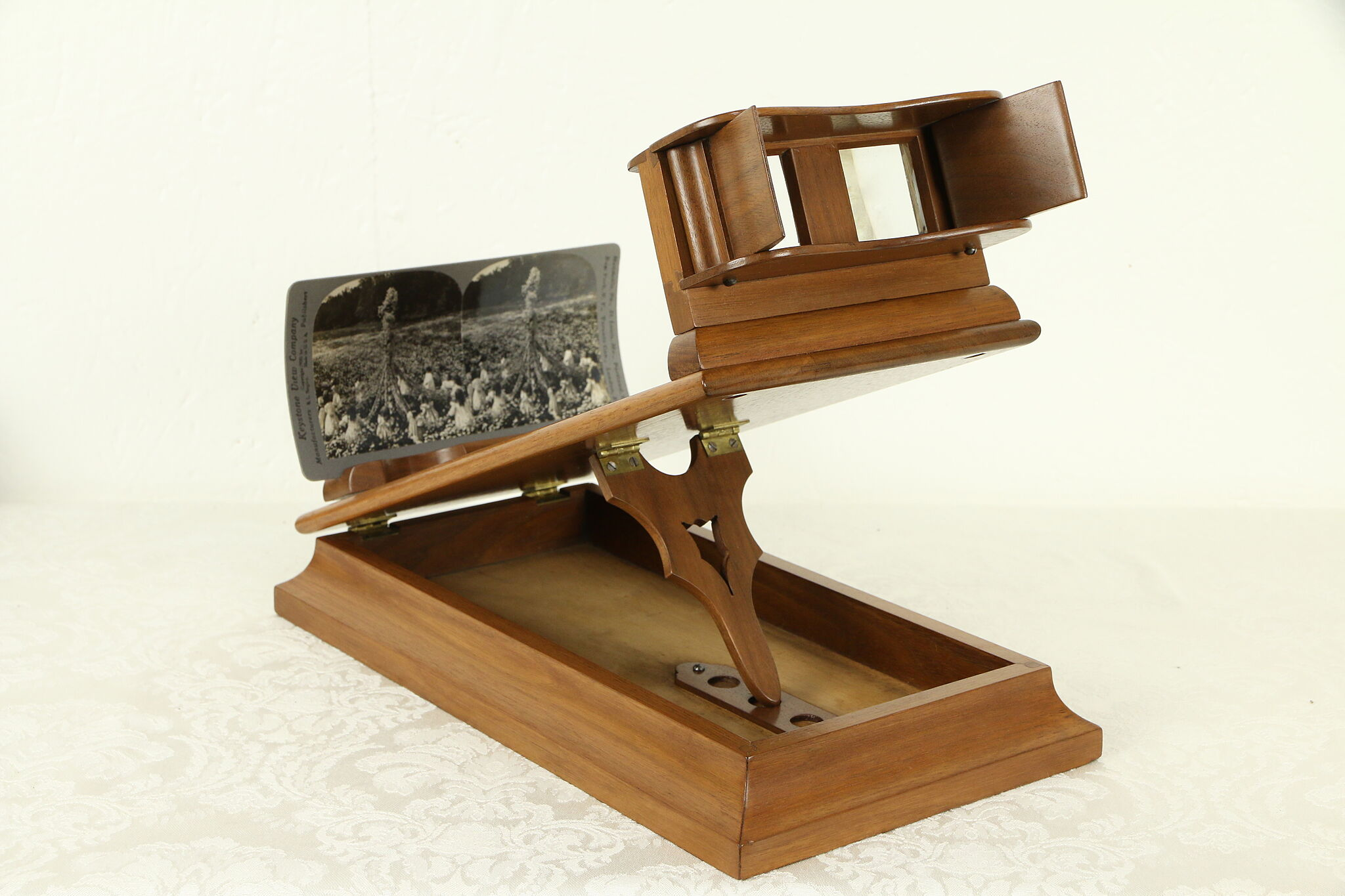 Tabletop Antique Walnut Stereo Card
