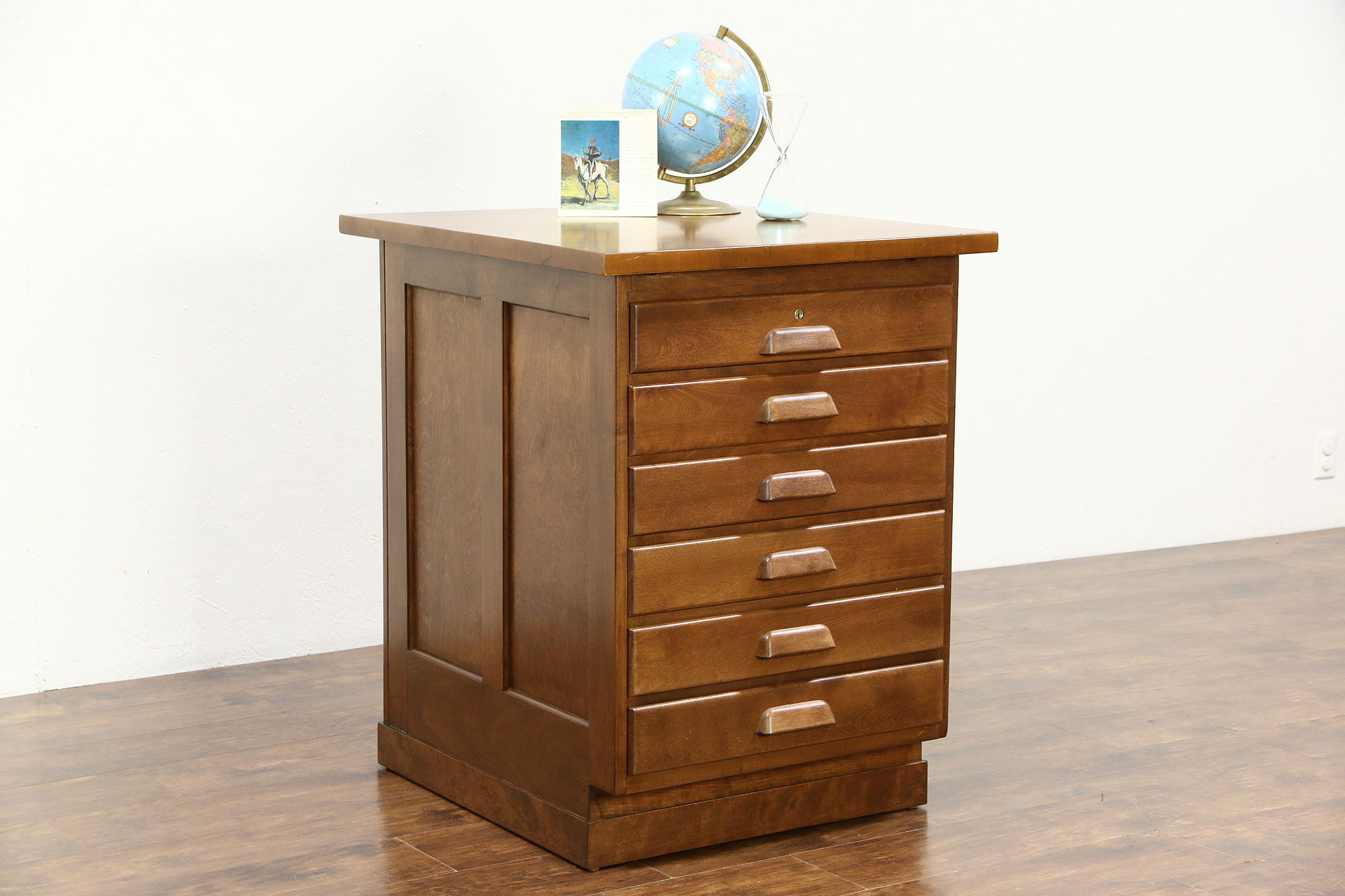 Maple 1930 Vintage Kitchen Island or Counter, 6 Drawers