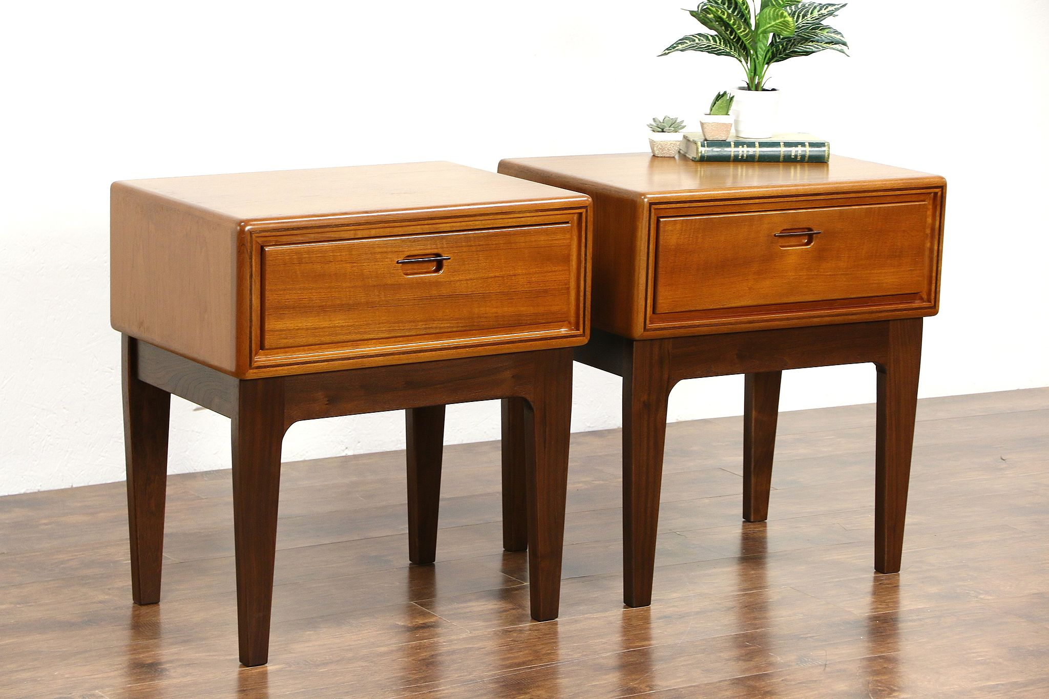 SOLD Nightstands, Bedside Tables - Harp Gallery Antiques