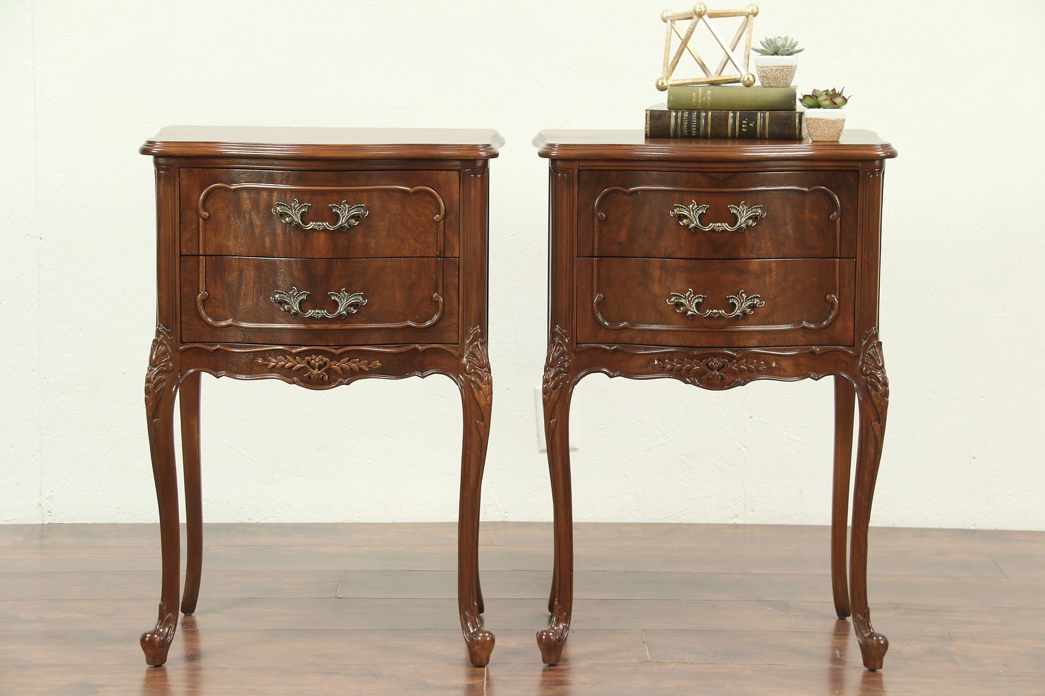 Pair Of French Style Vintage Walnut Nightstands Or End Tables Mt Airy 28997