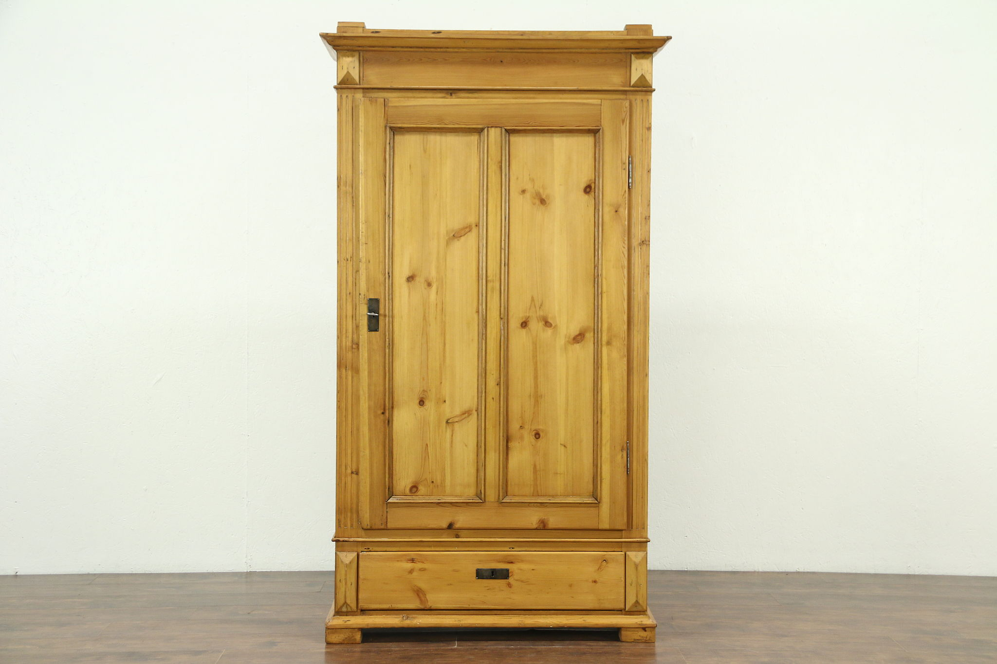 Attrayant Country Pine Antique 1890 Armoire, Wardrobe Or Closet, ...