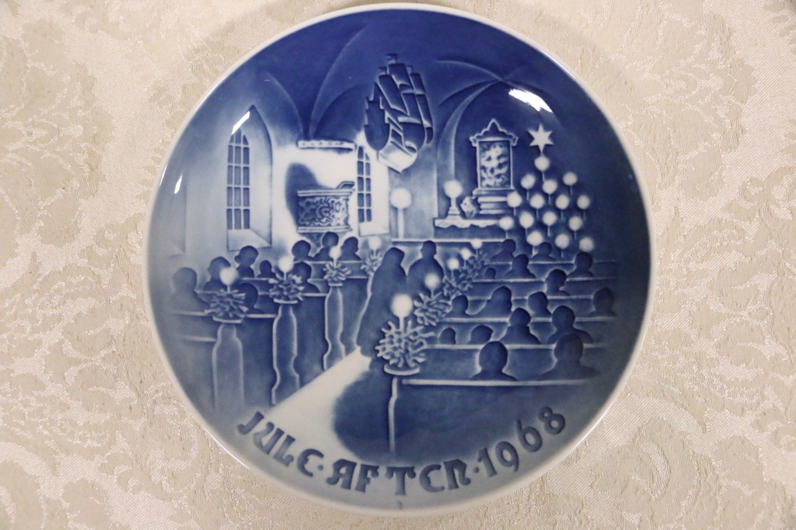 1968 royal copenhagen christmas plate jule after bg christmas in church blue - Royal Copenhagen Christmas Plates