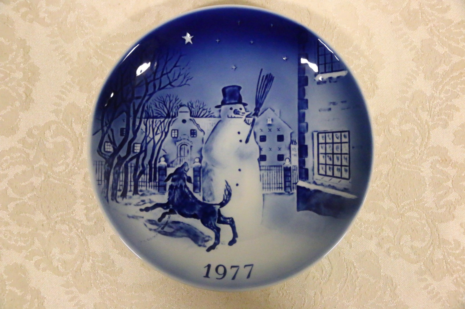 Sold 1977 Desiree Denmark Christmas Plate Hans