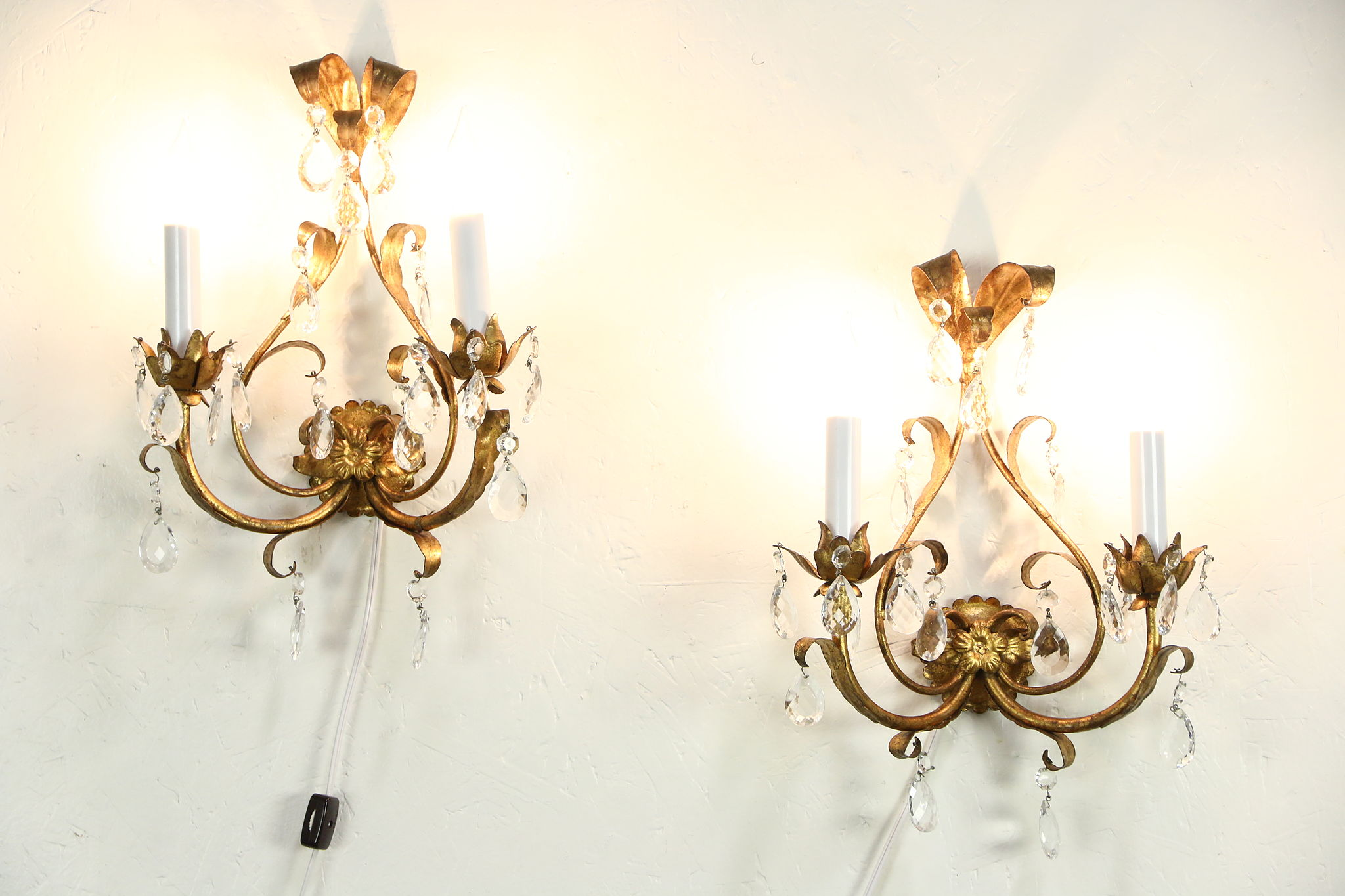 Sold Pair Of Italian Florentine Gold Vintage Wall Sconce Lights