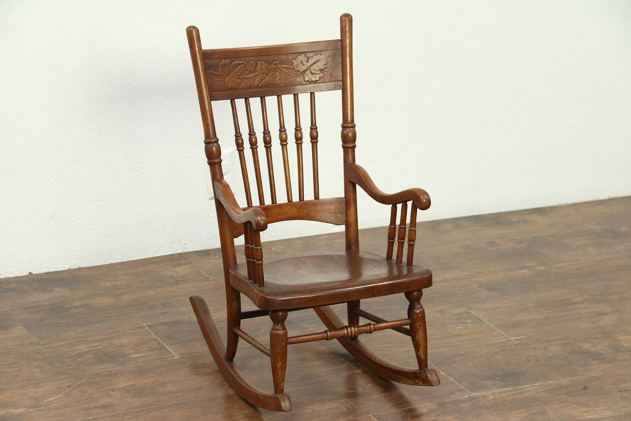 Delicieux Victorian Rocking Chair Press Carved Antique Child Size Rocker