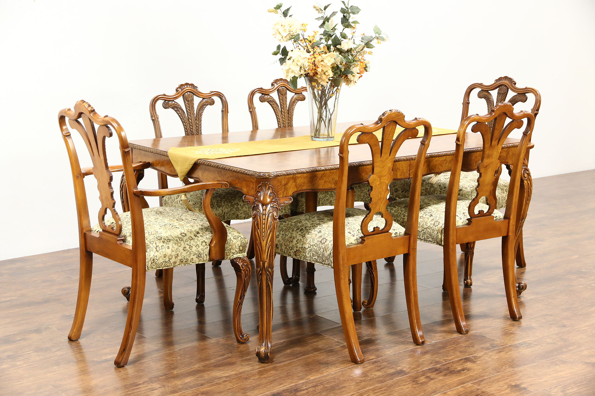 Dining Set Table 2 Leaves 6 Chairs 1940 s Vintage Carved Olive