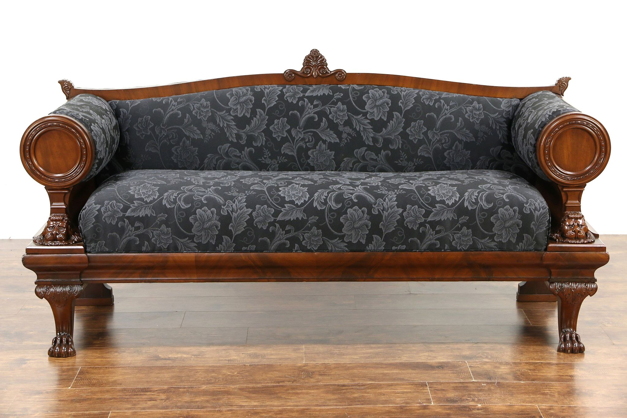 Early American Sofas Styles Hereo Sofa