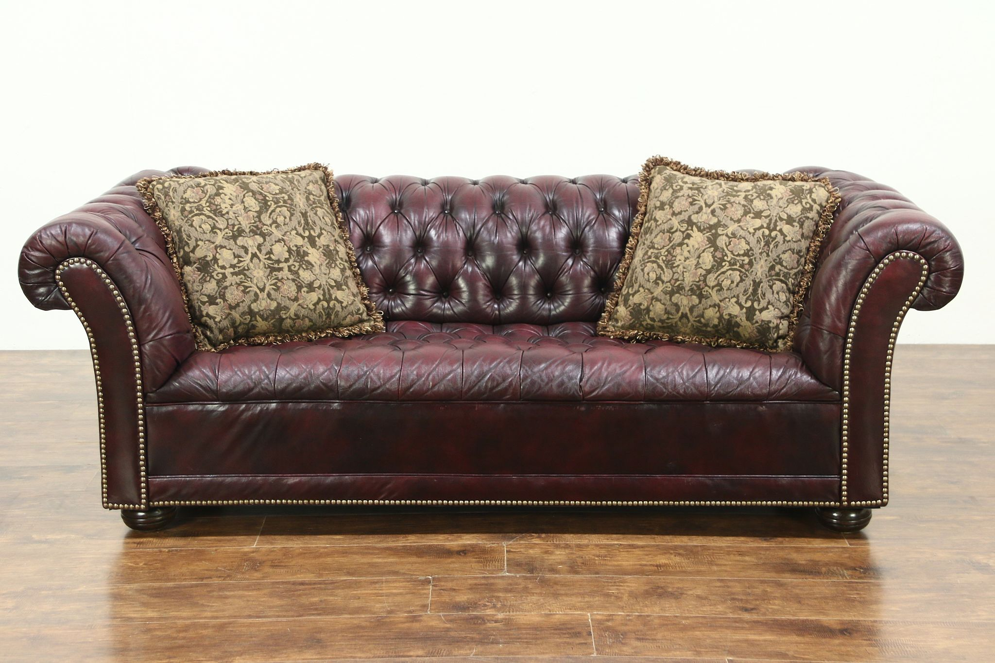 Chesterfield Leather Tufted Vintage Sofa Br Nailhead Trim