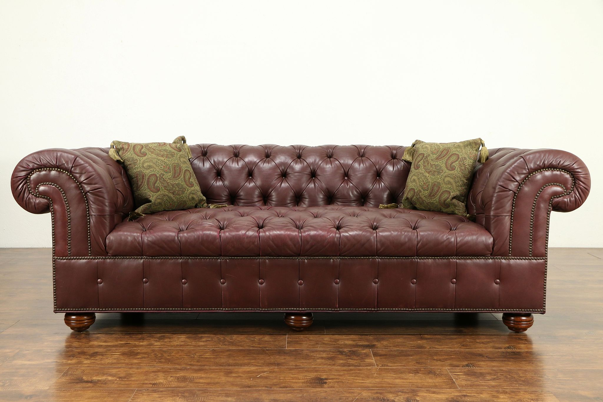 Chesterfield Tufted Leather Vintage Sofa Br Nailhead Trim 31173